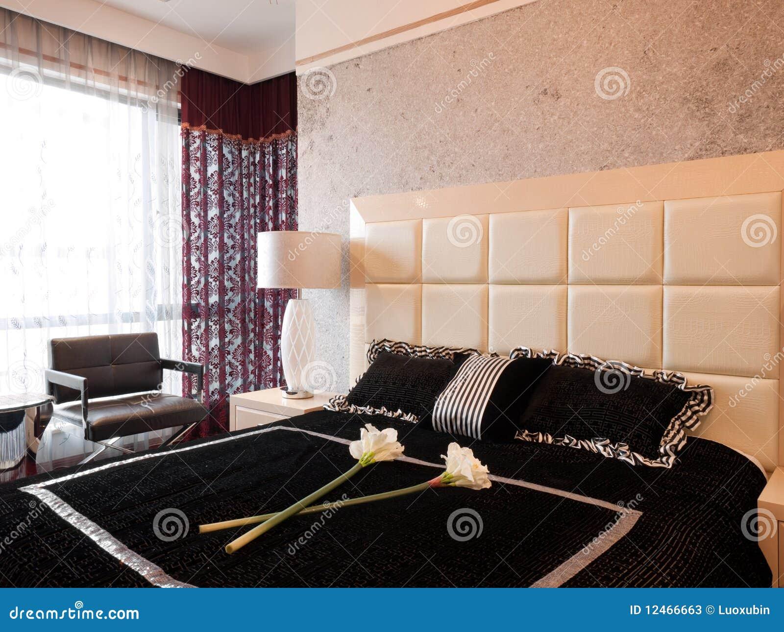 De Dure Moderne Slaapkamer Van De Luxe Stock Afbeelding - Afbeelding ...