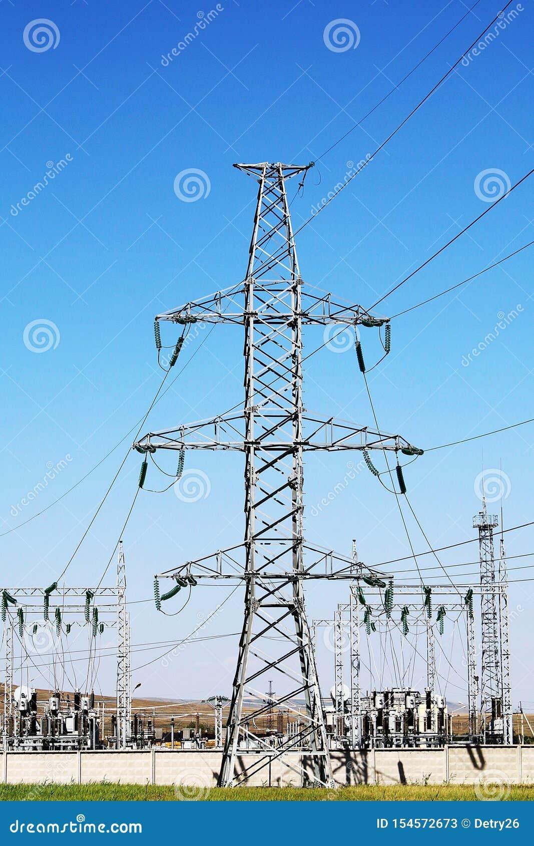 De Elektrische Toren van de hoogspanning Machtsconcept