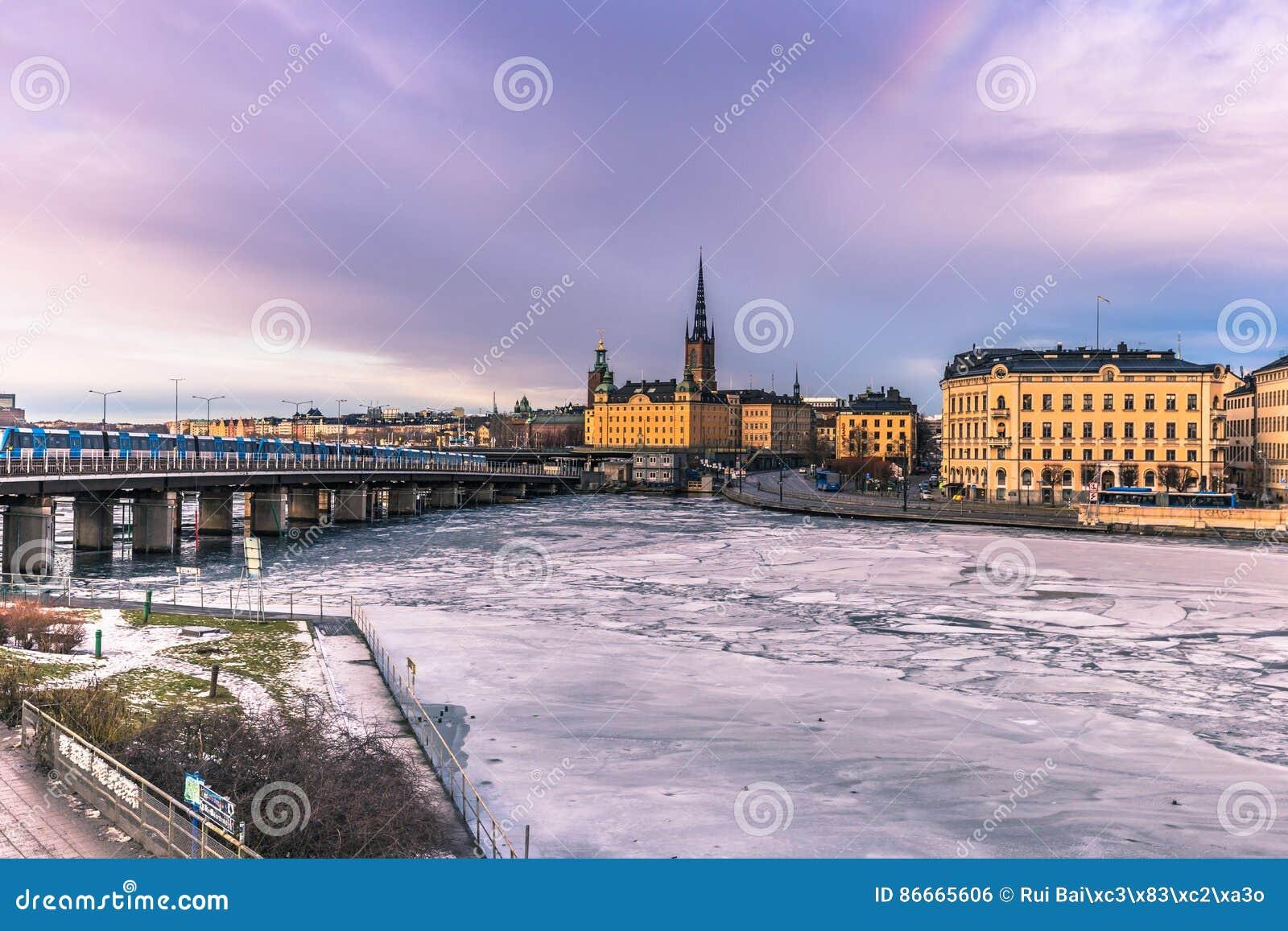 21 de enero de 2017: Panorama de la ciudad vieja de Estocolmo, Suecia