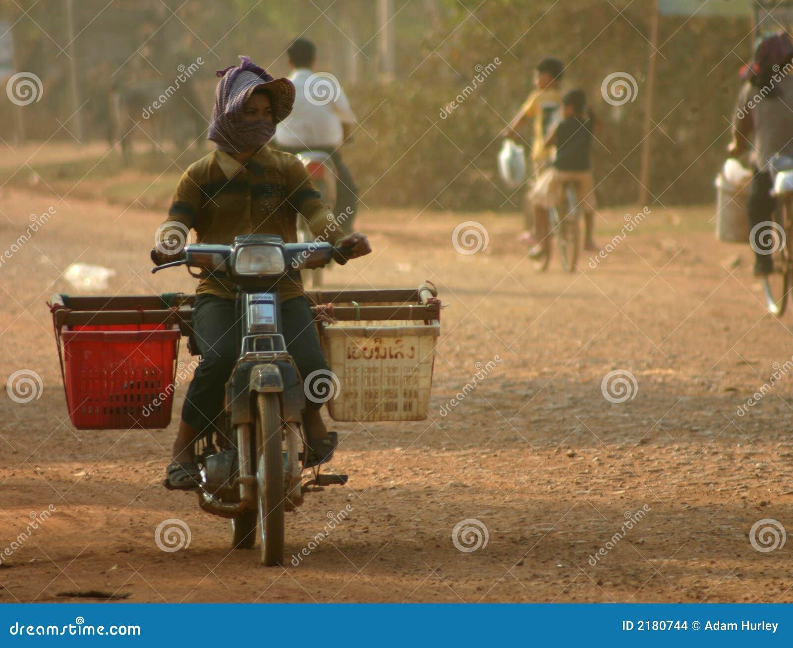 De Fiets van de motor, Kambodja