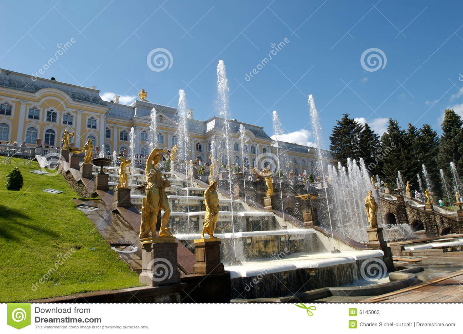 De fonteinen van het Paleis van Peterhof