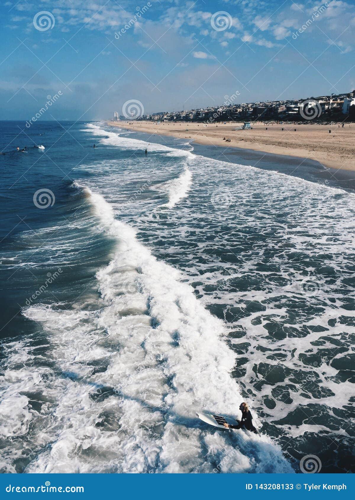 De foto neemt pijler van de kust van Californië over