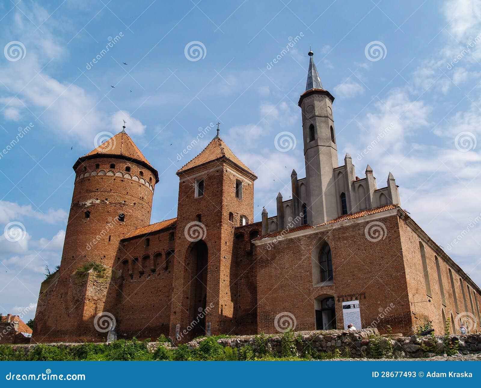 De gammala riunsna av Reszel det teutonic slottet i Warmia, Polen