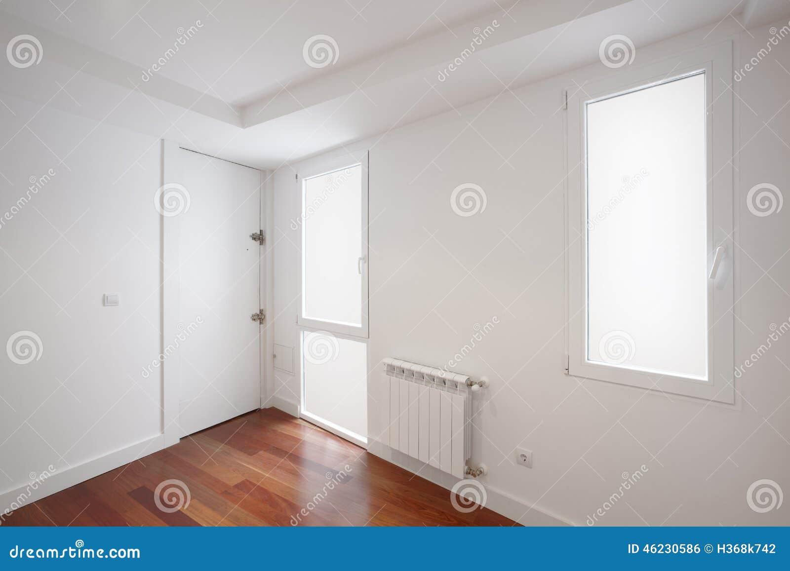 De gang van de huisingang met witte muren stock foto afbeelding