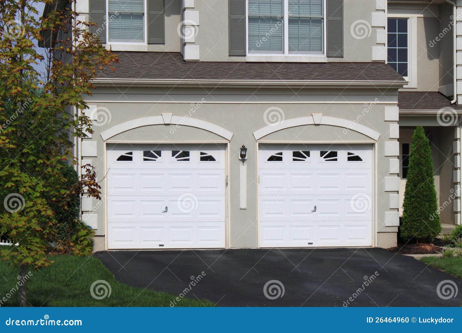 De Garage van twee Auto
