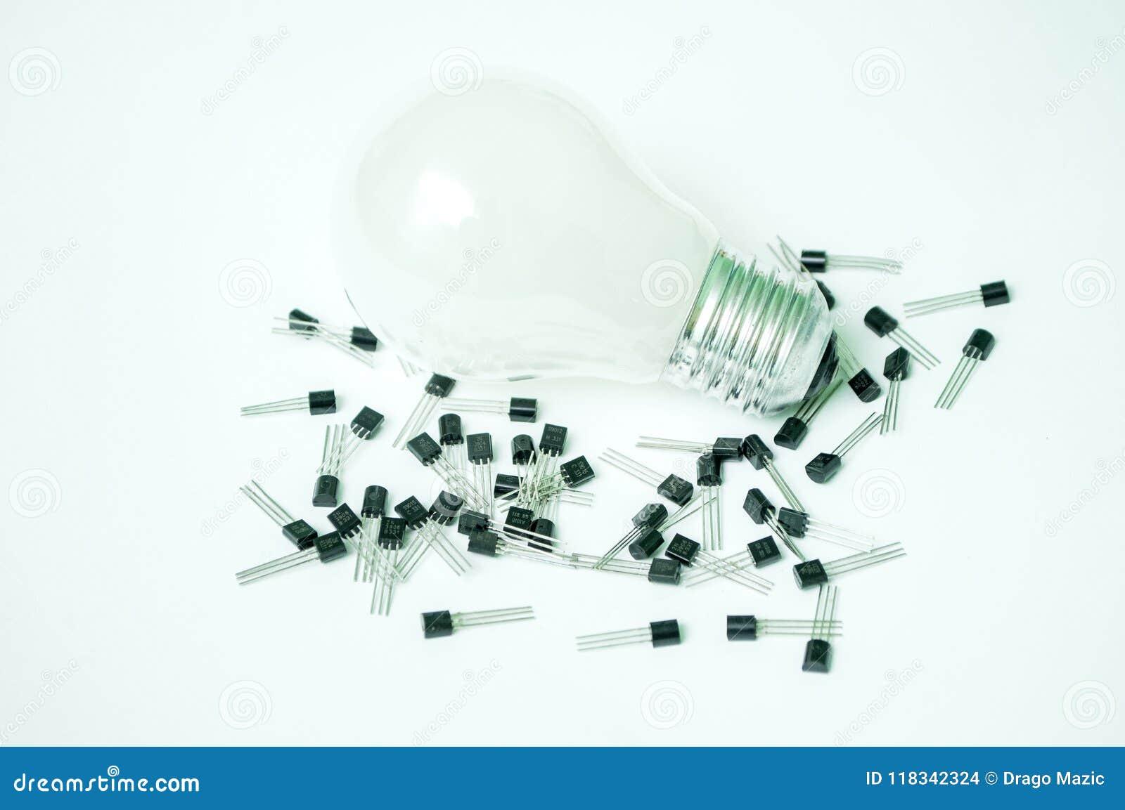 De geïsoleerde bol en de transistors