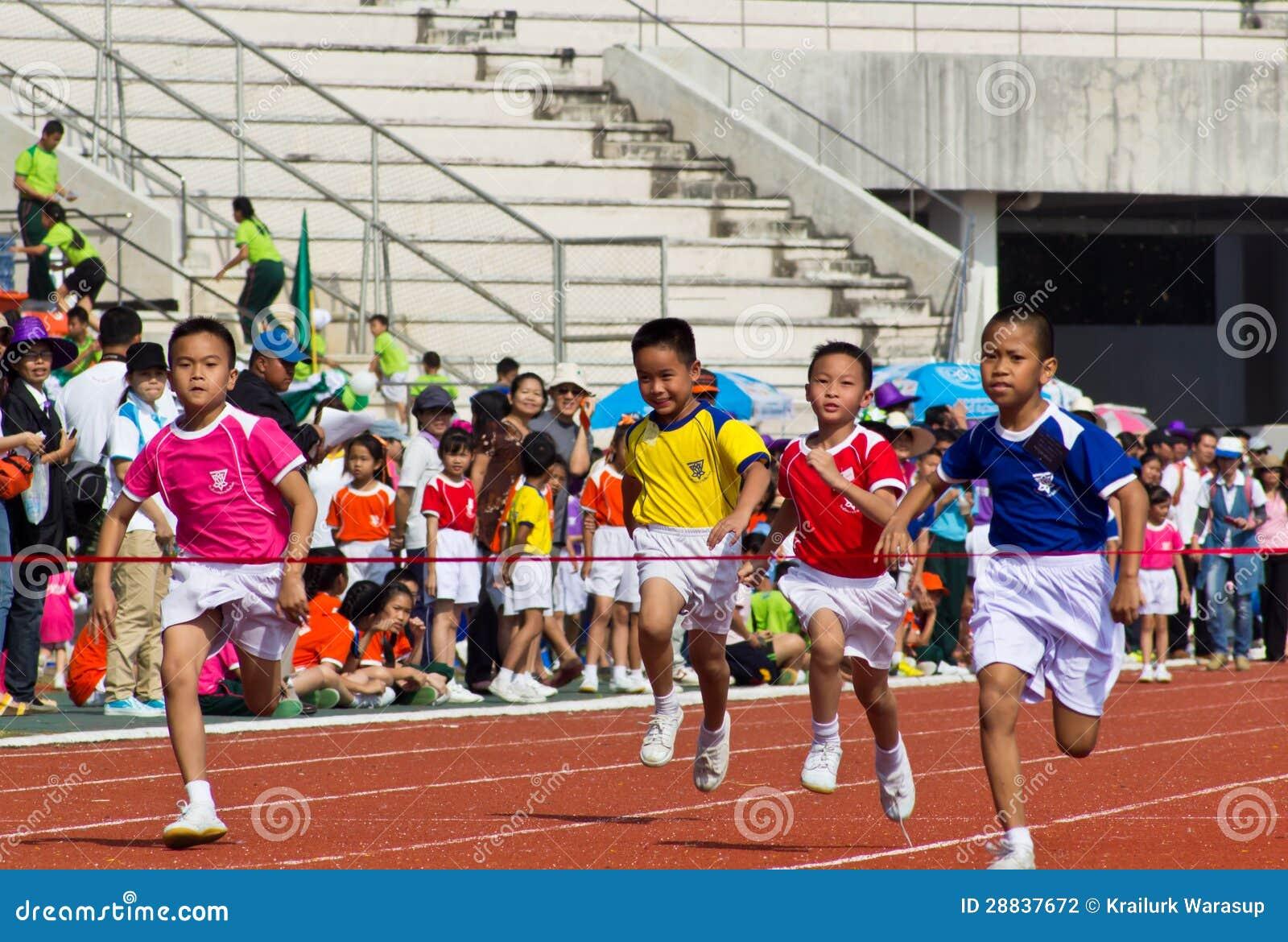 De Gebeurtenis van de Dag van de Sport van jonge geitjes