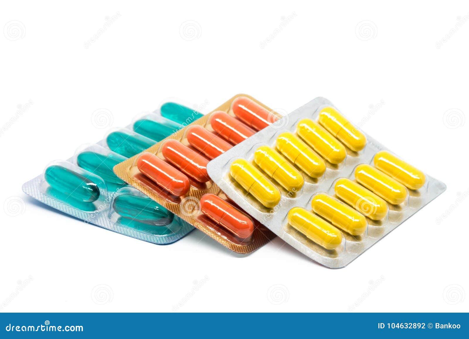 Download De Geelgroene En Oranje Pillen Van Gelatinecapsules In Blaarpak Stock Foto - Afbeelding bestaande uit groep, azië: 104632892