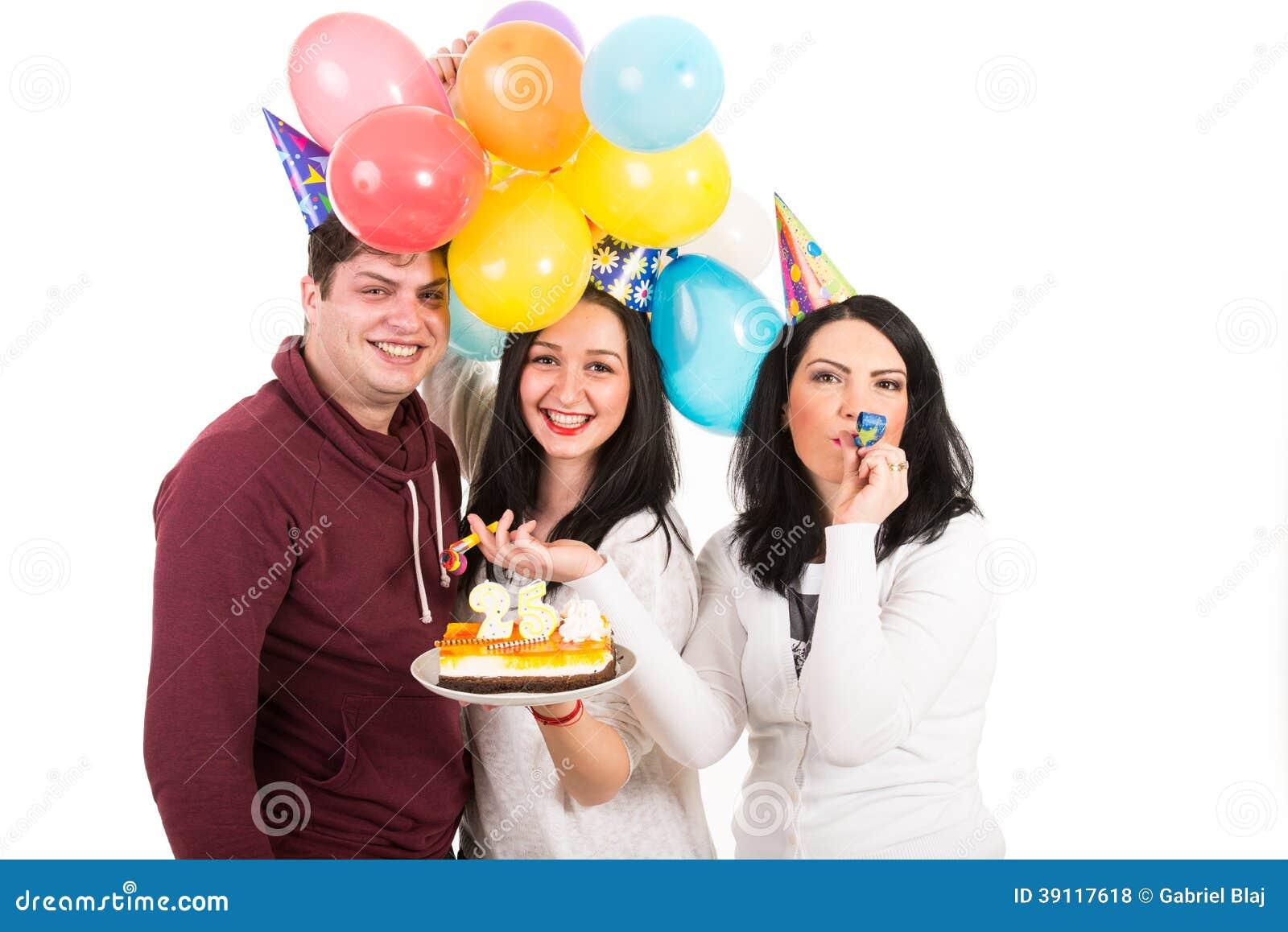 De gelukkige vrienden vieren vrouwenverjaardag