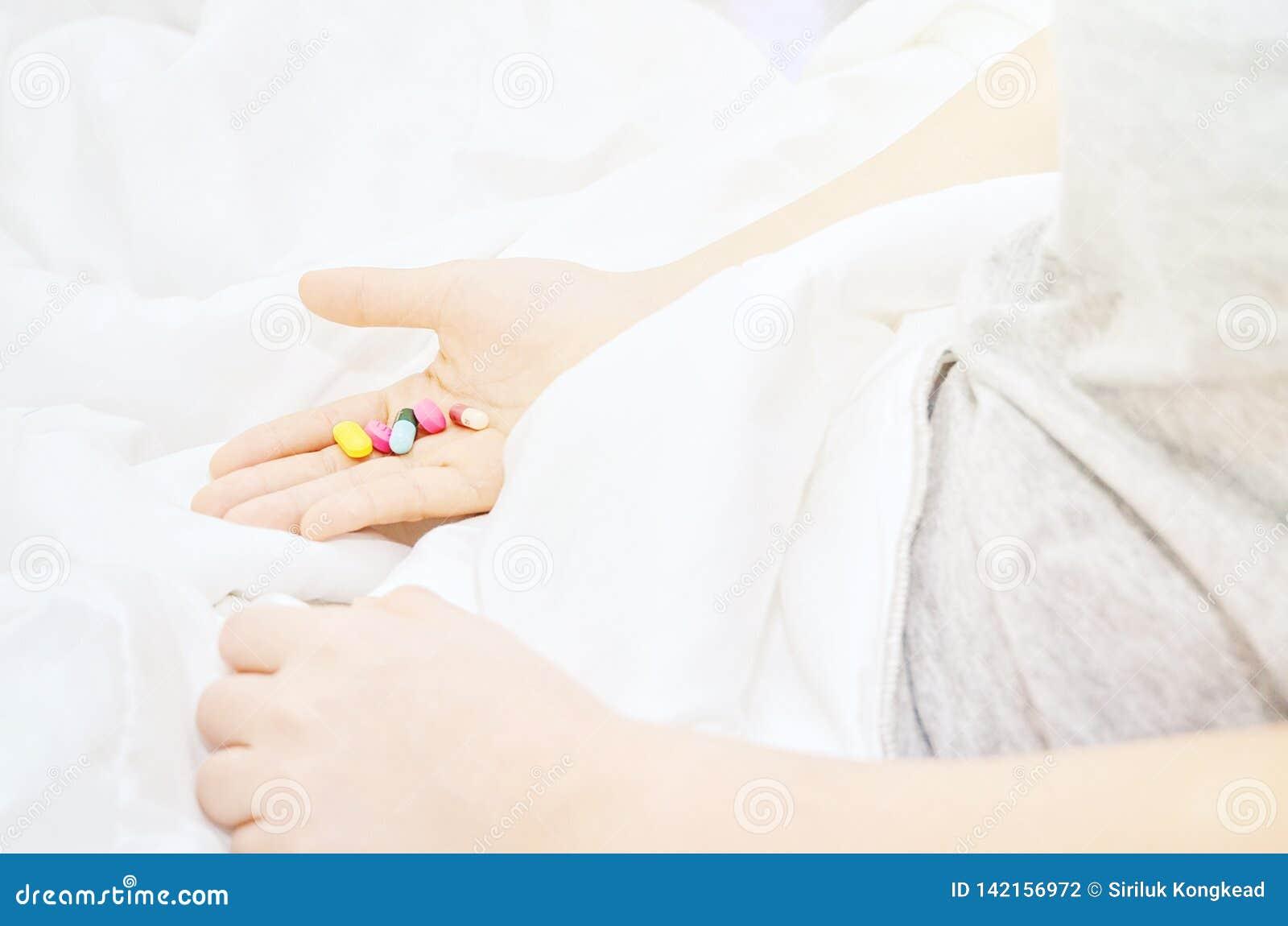 De geneeskundetabletten zijn op hand