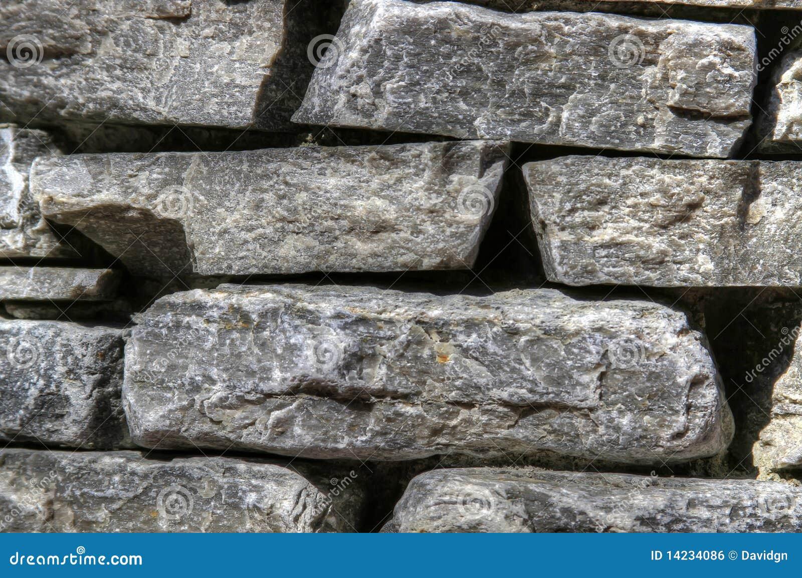 De gestapelde muur van de tuin van de steen royalty vrije stock afbeelding afbeelding 14234086 - Muur tuin ...