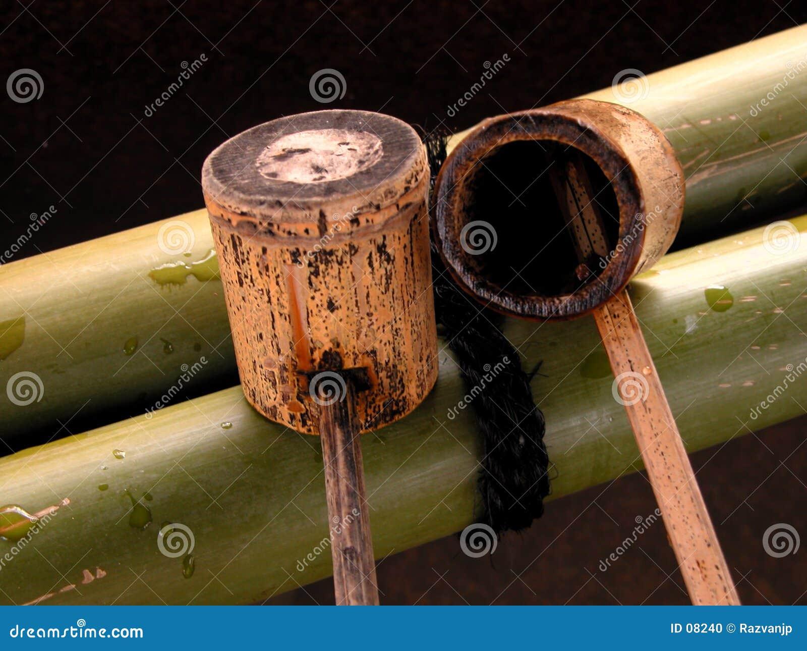 De gietlepel van het bamboe