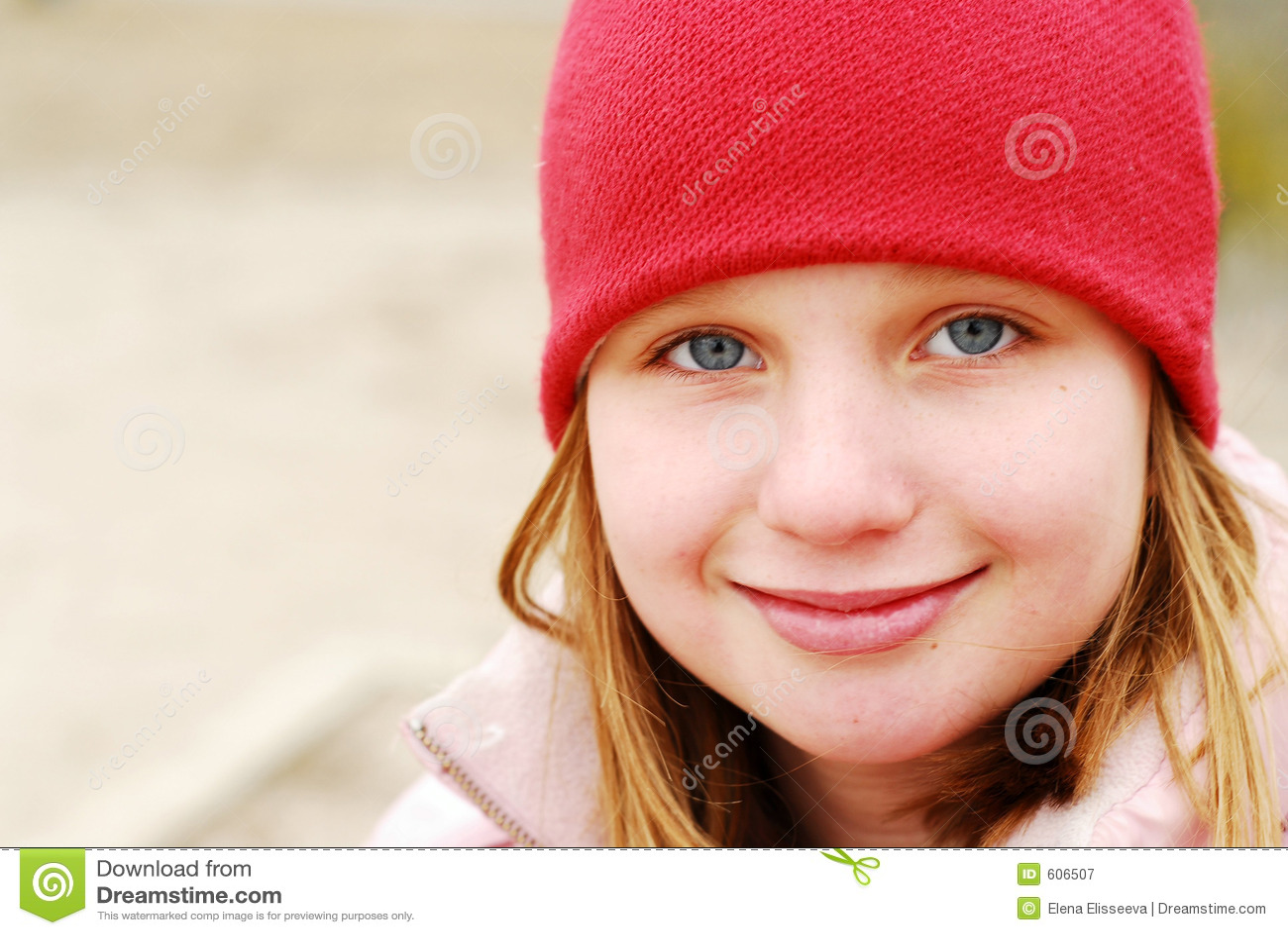 De glimlachhoed van het meisje