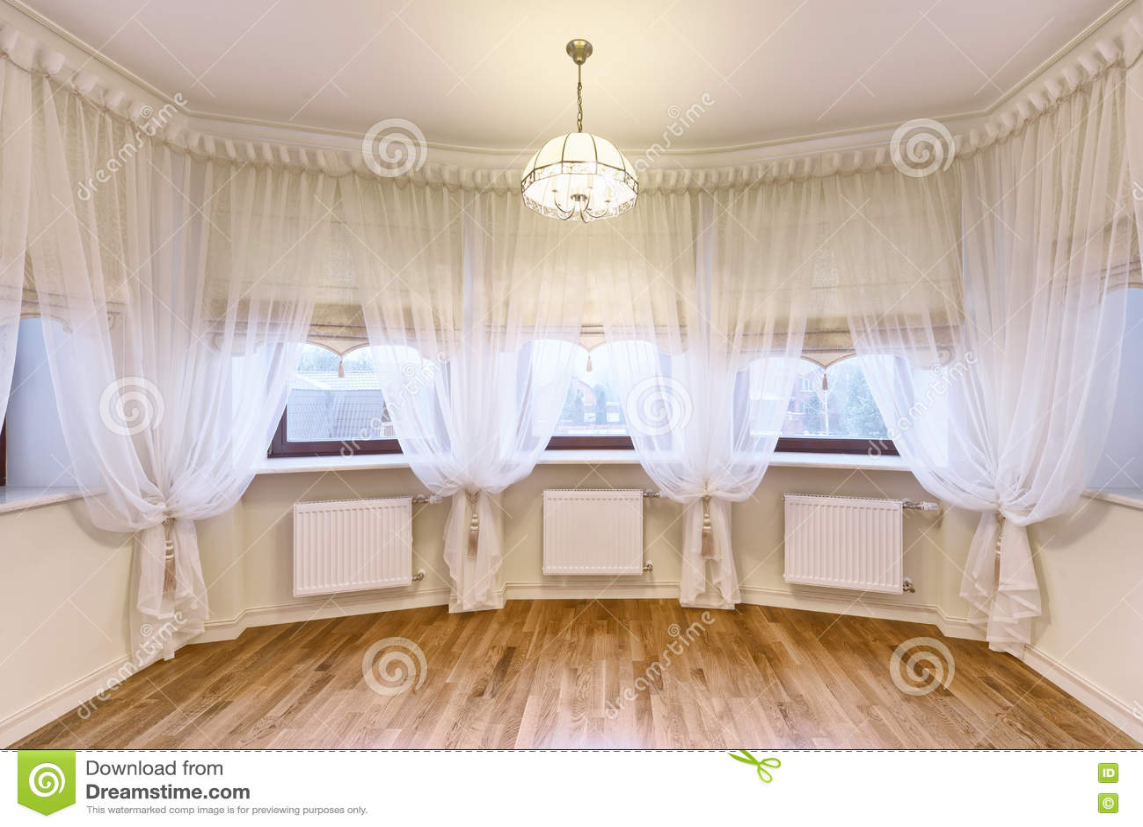 de gordijnen van de vensterdecoratie