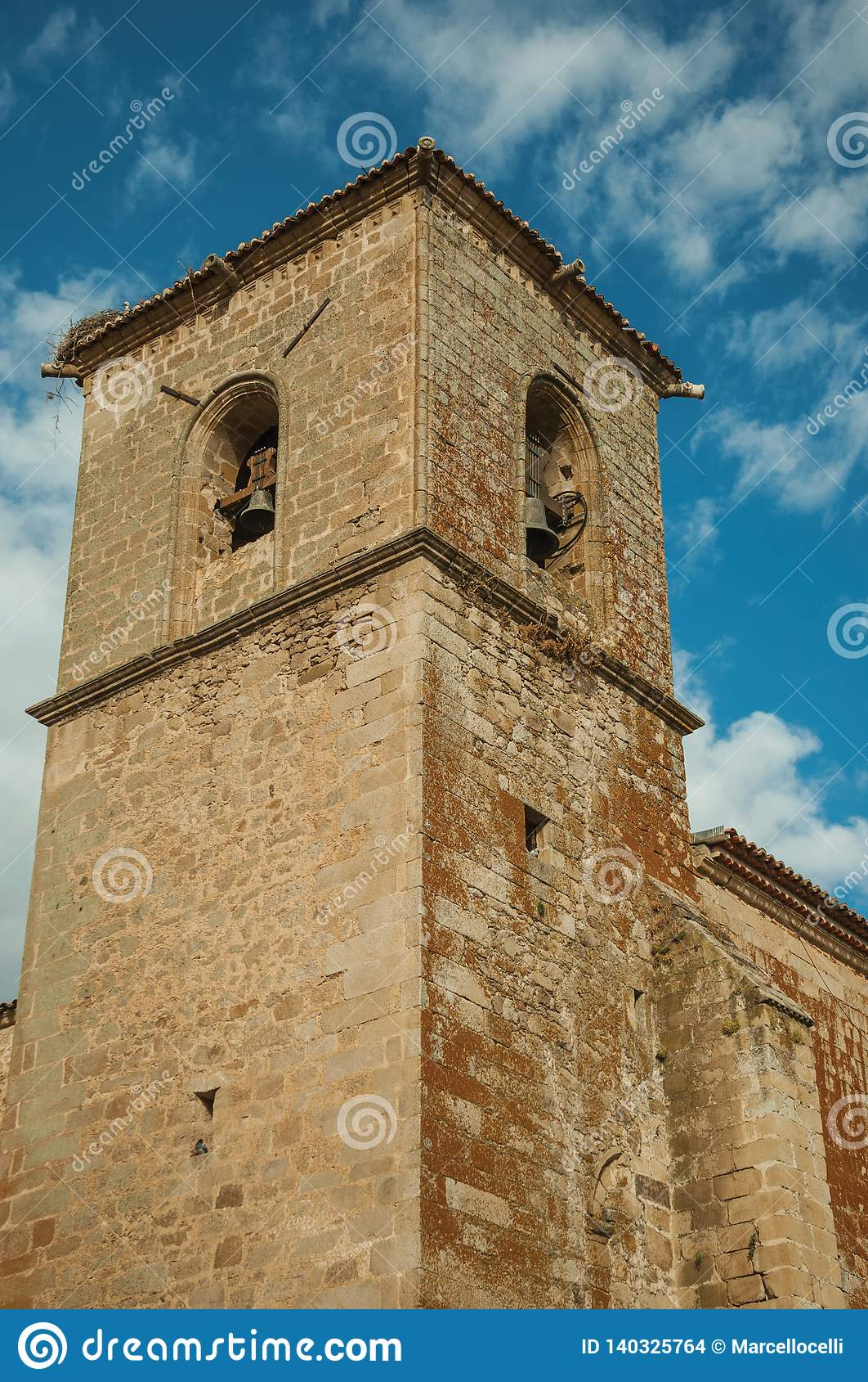 De gotische de blaasbalgtoren van San Martin Church in Trujillo