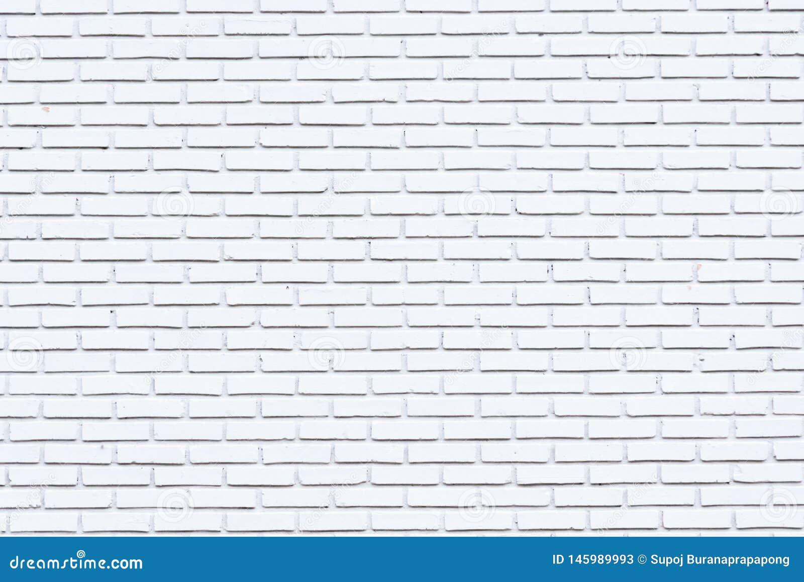 De grijze en oude achtergrond van de verf witte bakstenen muur in landelijke ruimte, grungy roestige blokken van metselwerktechno