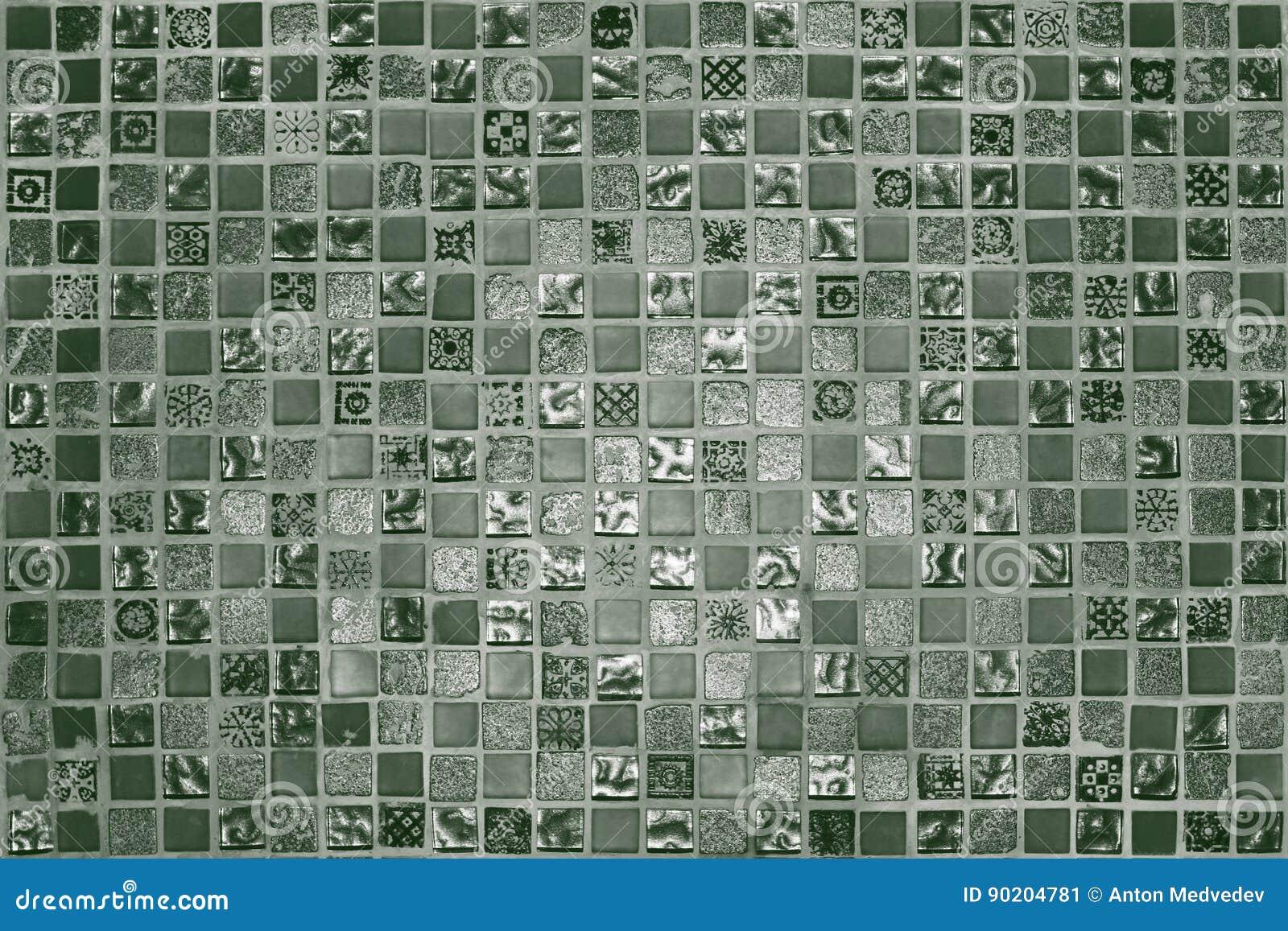 Groene Mozaiek Tegels : De groene tegels van het grunge kleine mozaïek stock afbeelding
