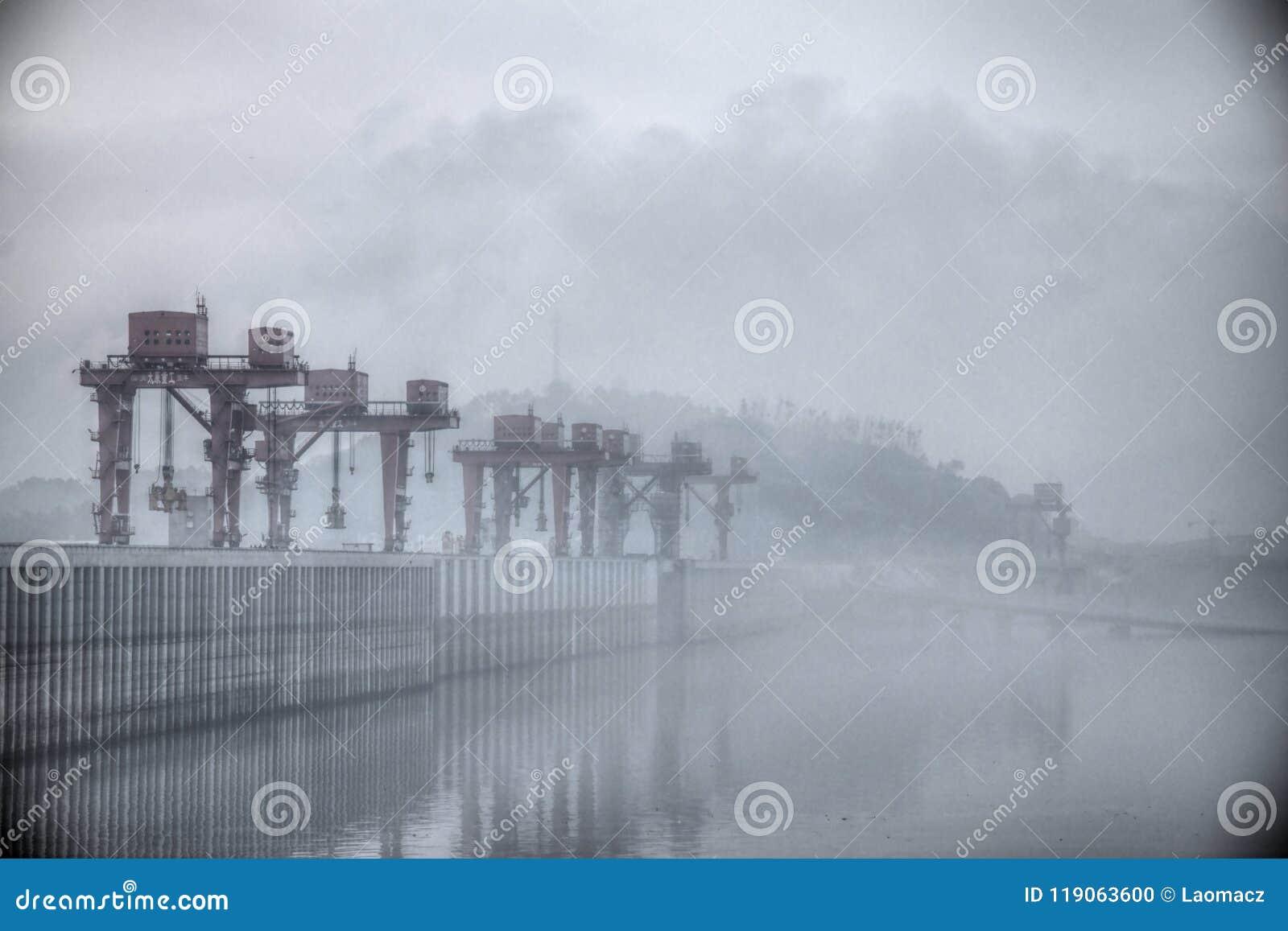 De Grootste Waterkrachtcentrale in de Wereld - Drie Klovendam op Yangtze-rivier in China