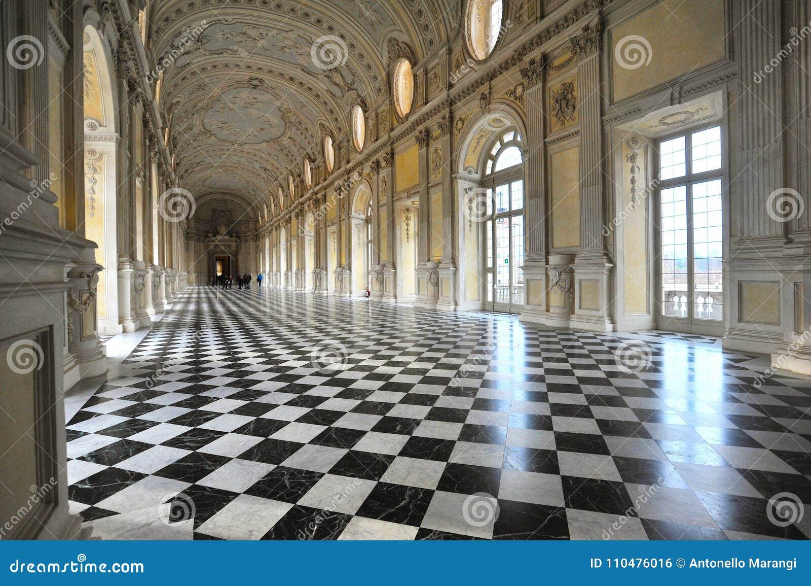De Grote Galerij in Reggia Di Venaria Reale verklaarde de Plaats van de Werelderfenis door het monumentale koninklijke paleis Ven