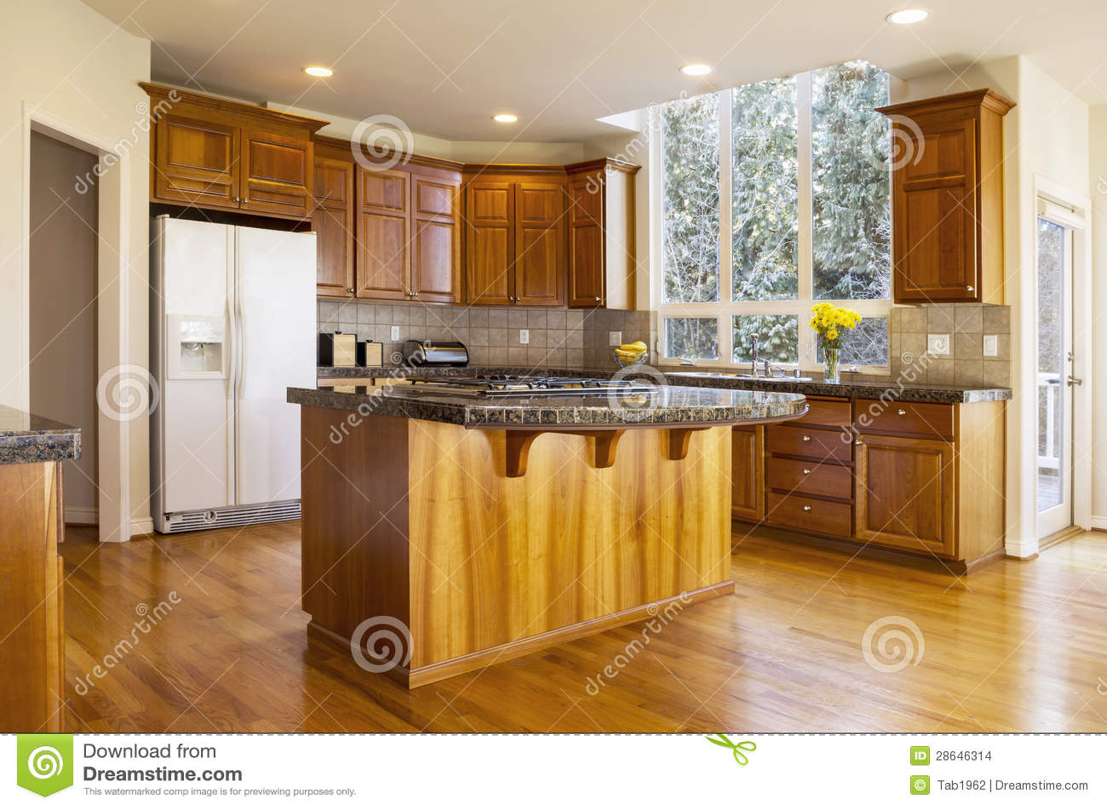 Daglicht Je Keuken : De grote keuken van het daglicht stock foto afbeelding bestaande