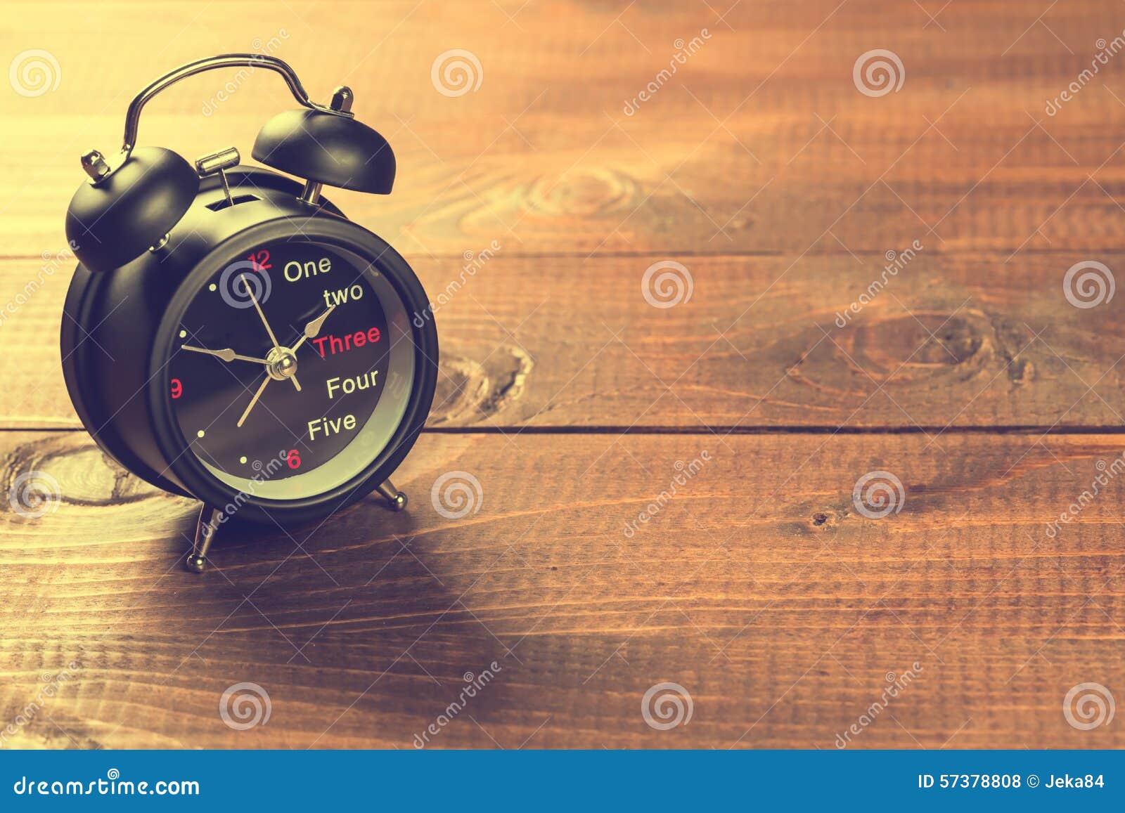 De grote klok verzekert omhoog kielzog