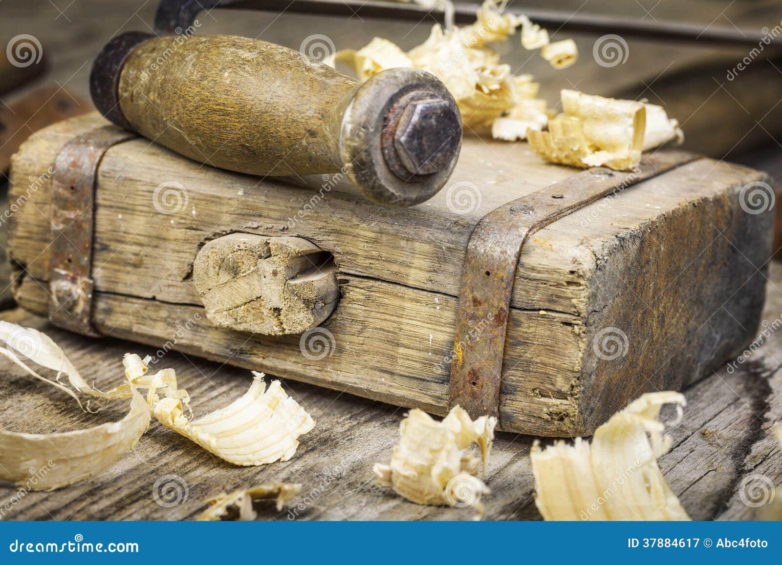 De hamer van de oude timmerman