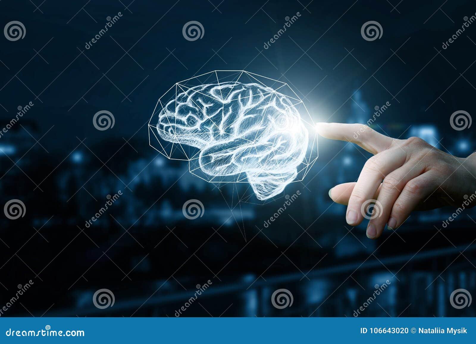 De hand klikt op de hersenen