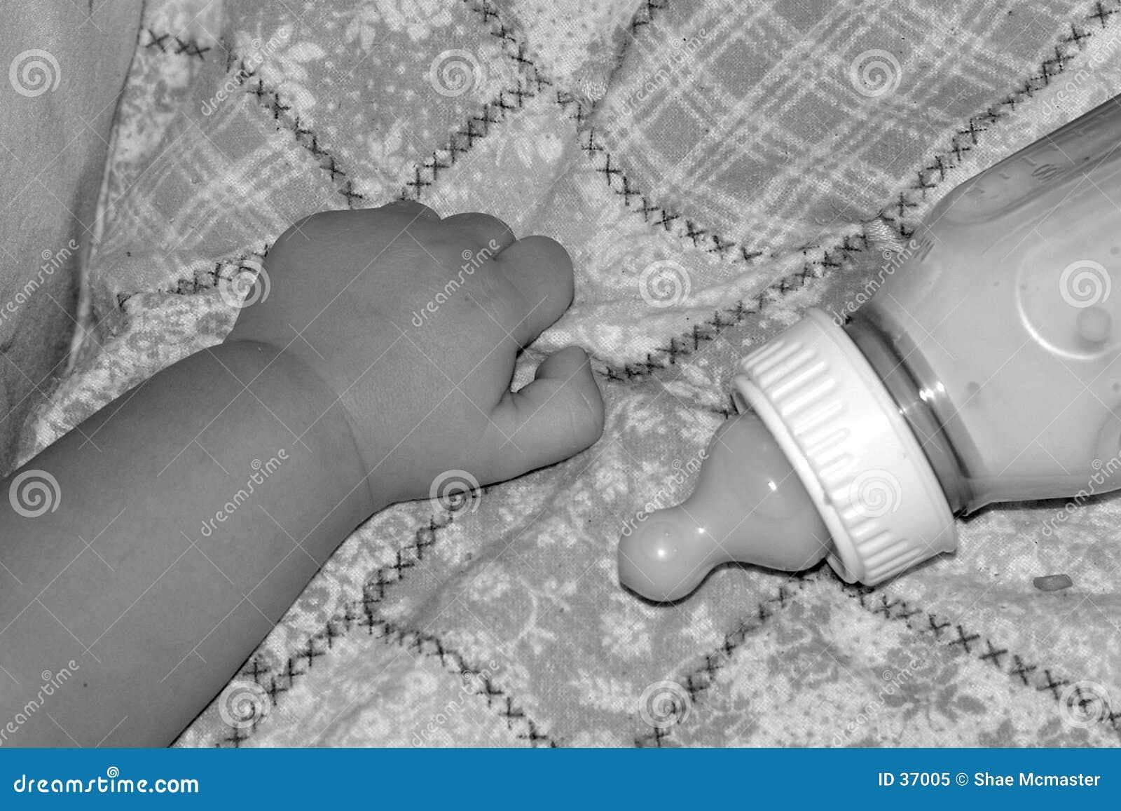 De Hand van de baby