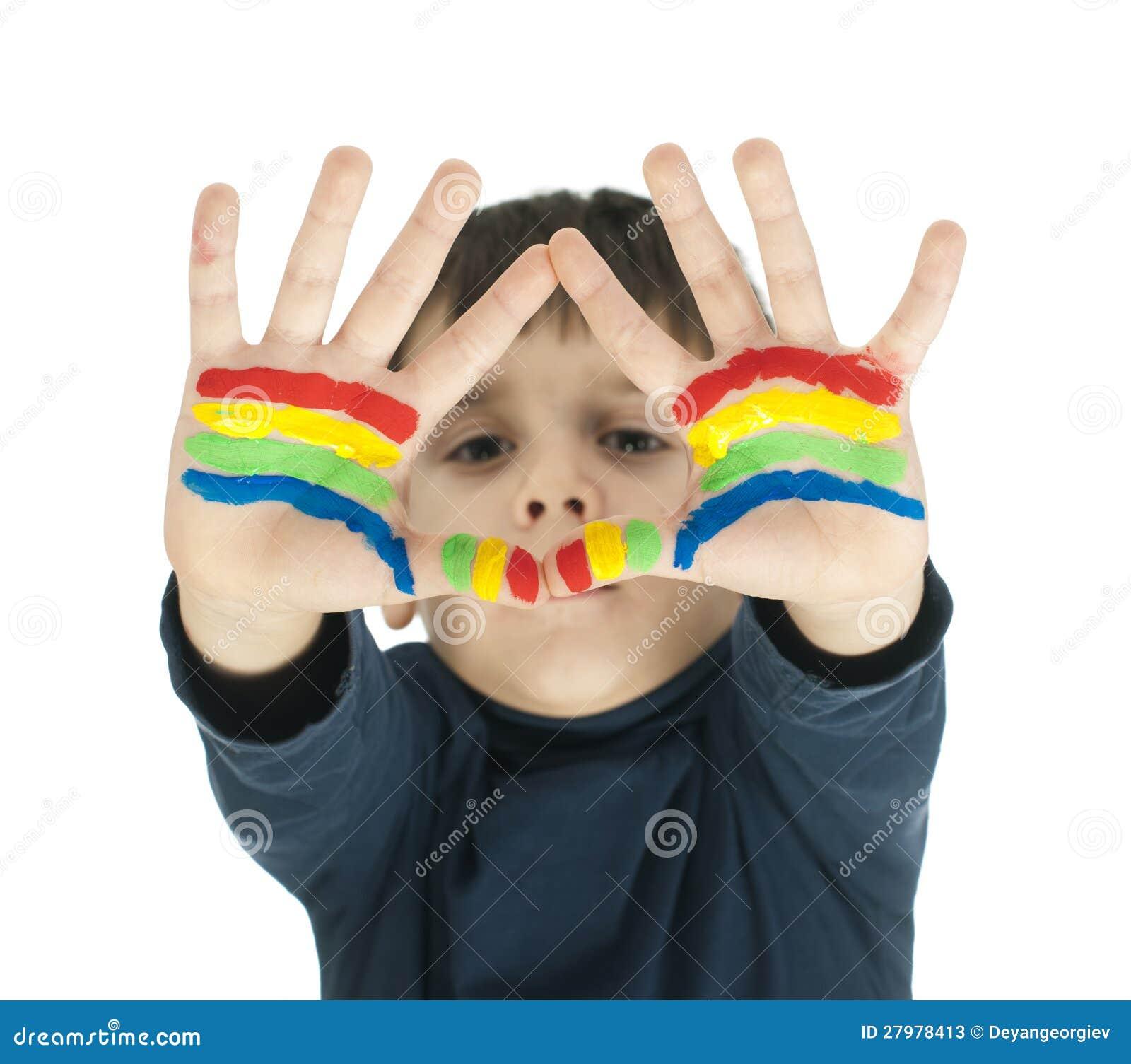 De handen van de jongen die met kleurrijke verf worden geschilderd stock afbeelding afbeelding - Turquoise ruimte van de jongen ...