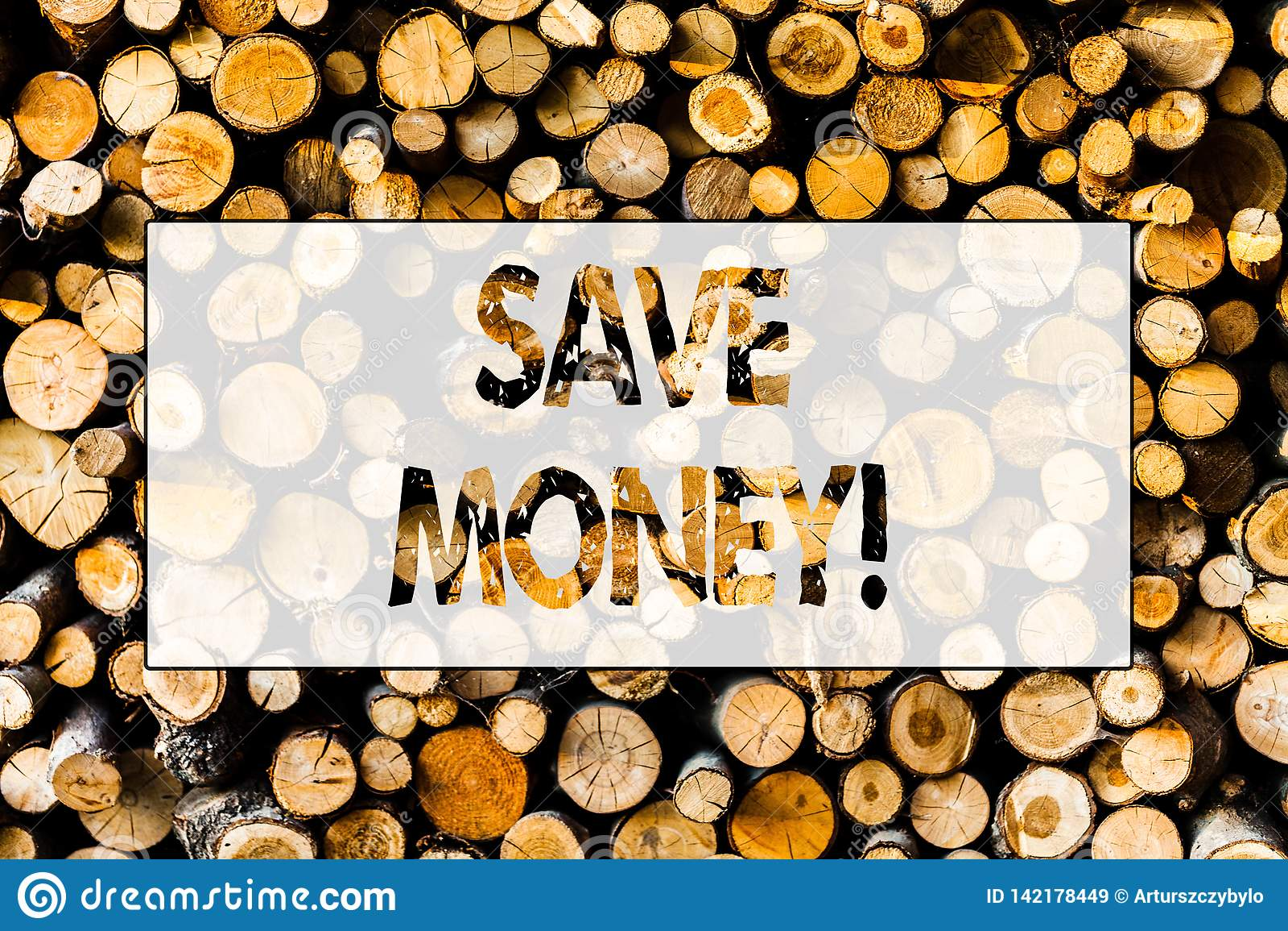 De handschrifttekst bespaart Geld De conceptenbetekenis vermindert uitgaven maakt een fonds van inkomens Houten uitstekend hout a