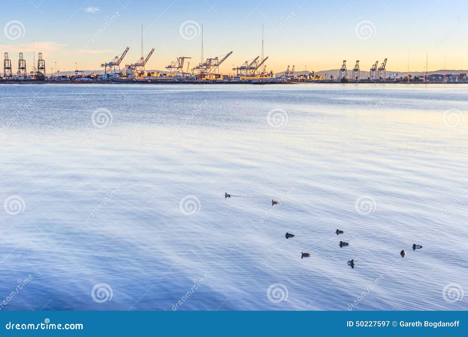 De haven van Oakland