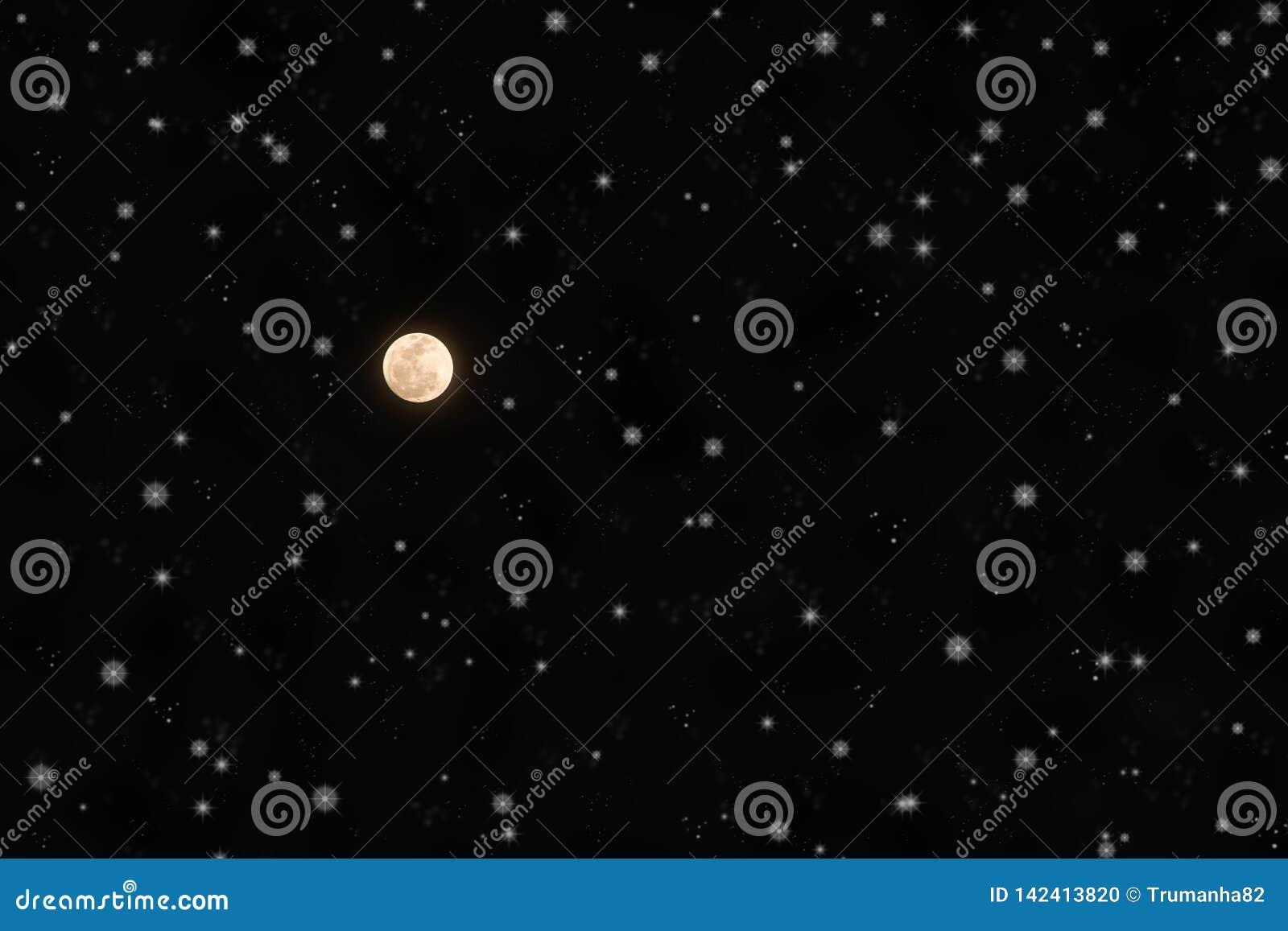 De heldere Volle maan en fonkelt Sterren in Nachthemel