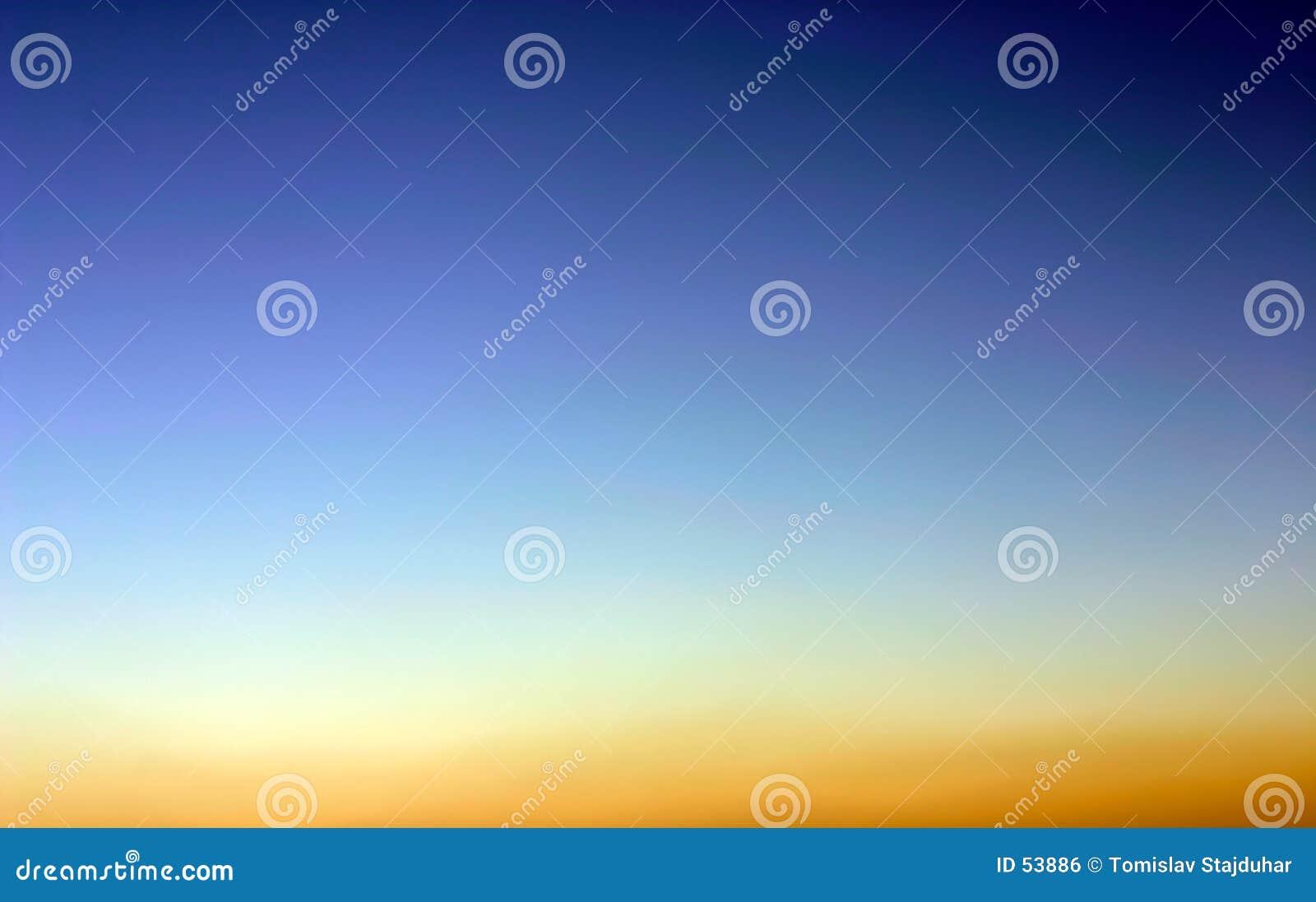 De hemel van de avond