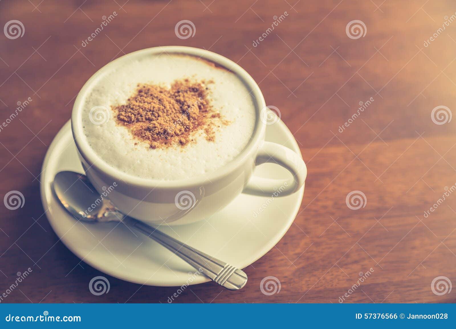 De hete koffie van de lattekunst (Gefiltreerde beeld verwerkte wijnoogst