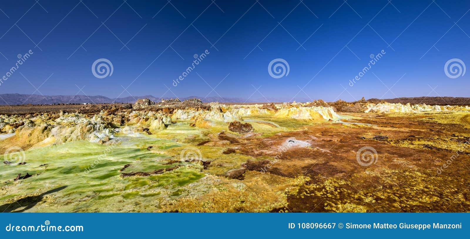 De hete lentes in Dallol, Danakil-Woestijn, Ethiopië