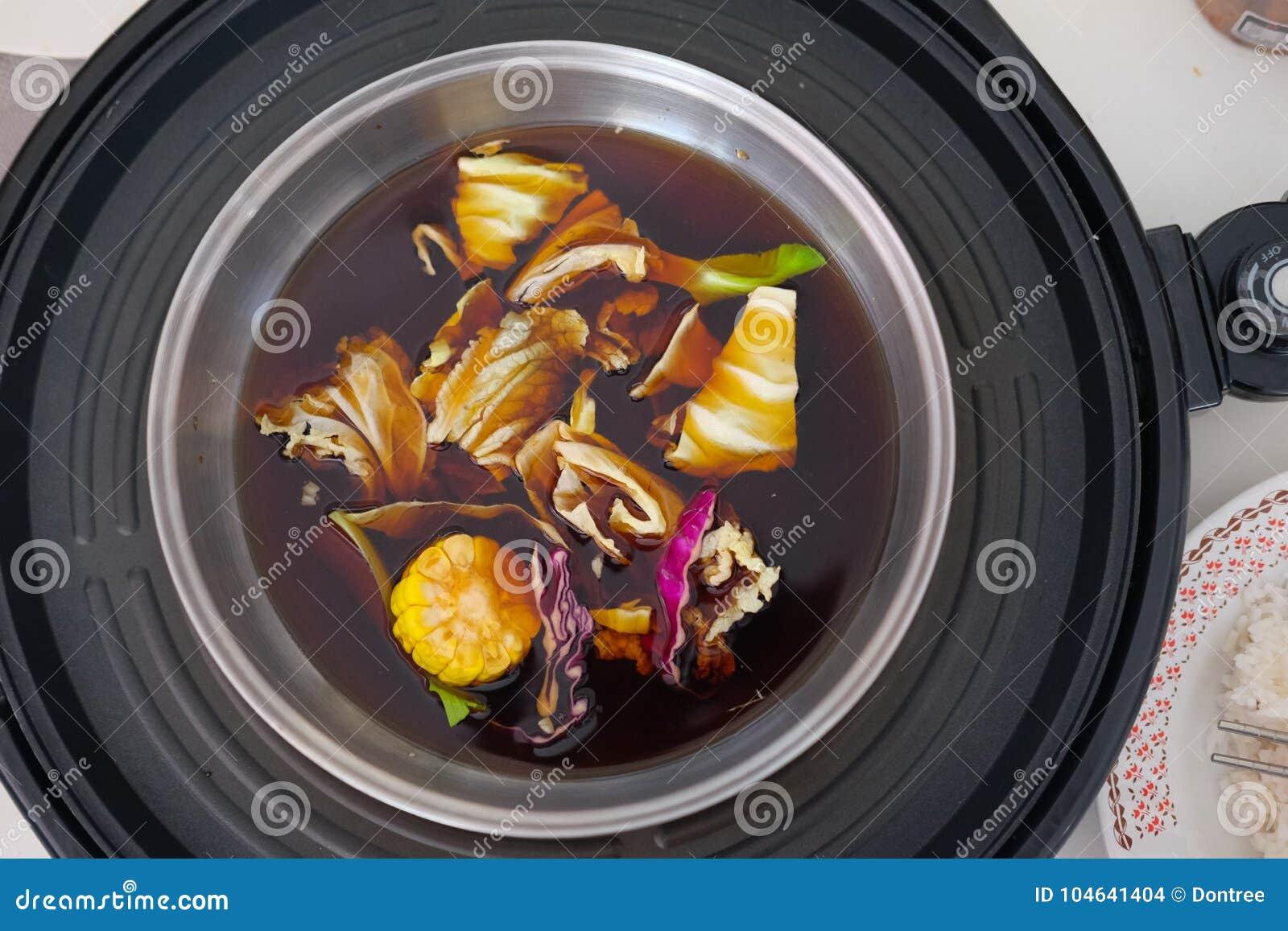 Download De Hete Pot Van Shabushabu Met Divers Van Groenten Stock Foto - Afbeelding bestaande uit hoog, aluminium: 104641404