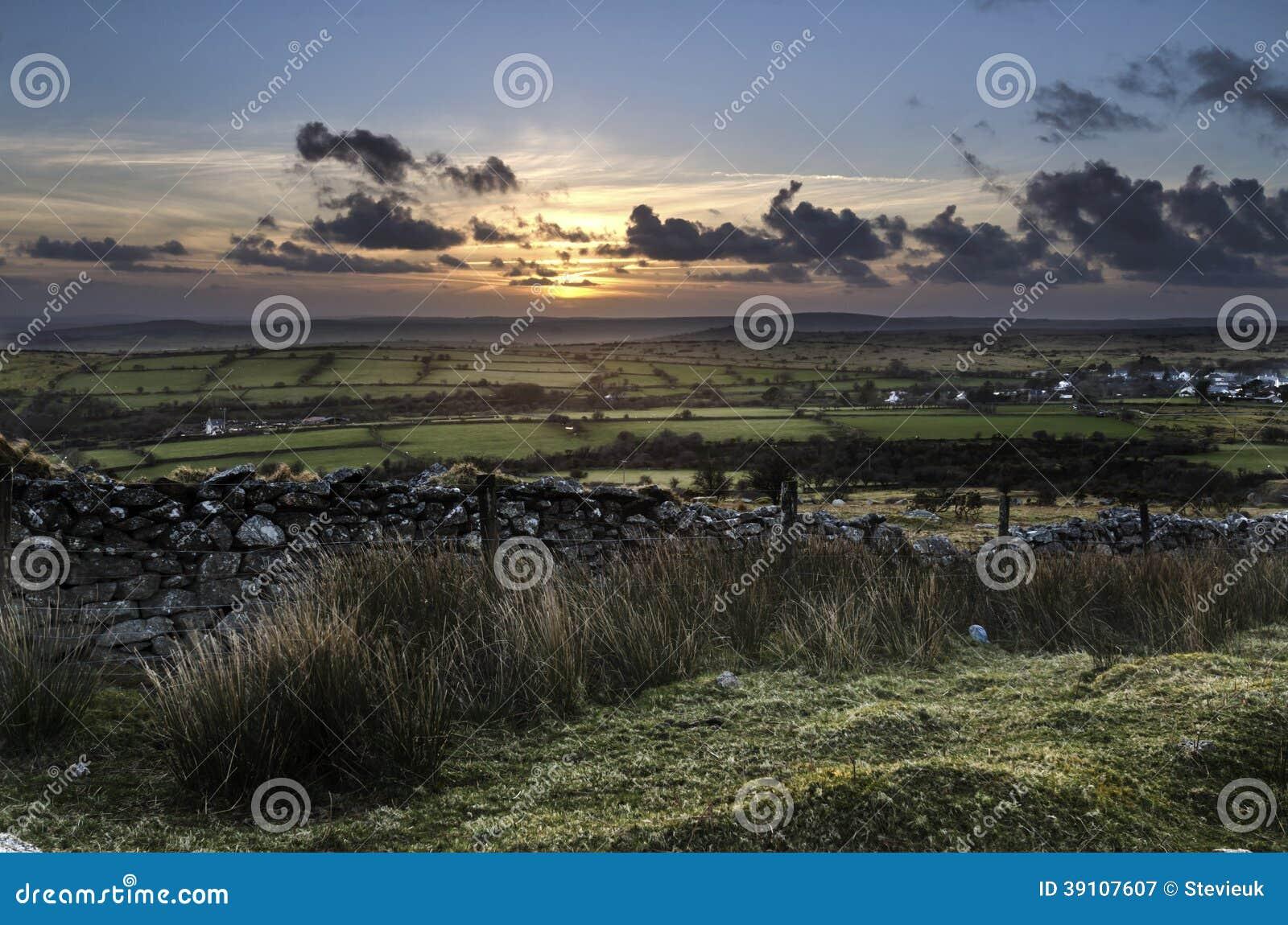 De Heuvel van zonsondergangcaradon, Cornwall, het UK