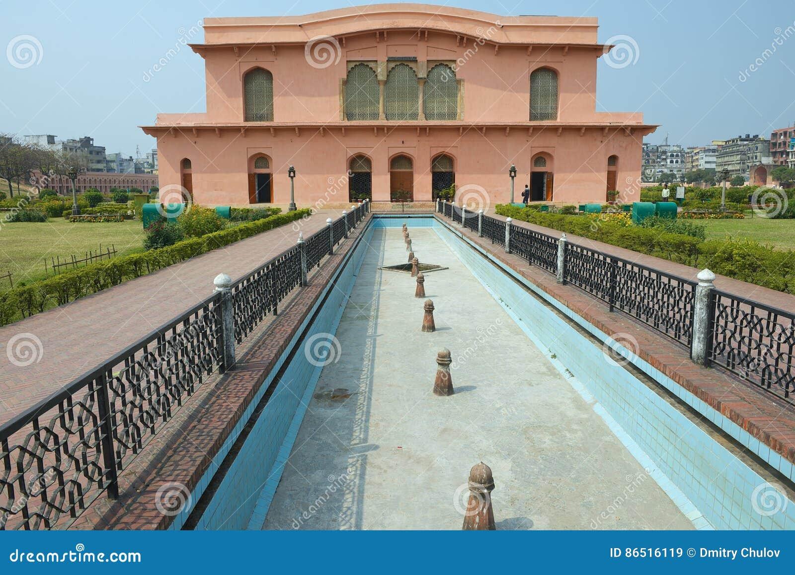De historische Museum Bouw van het mausoleum van Bibipari in Lalbagh-Fort, Dhaka, Bangladesh