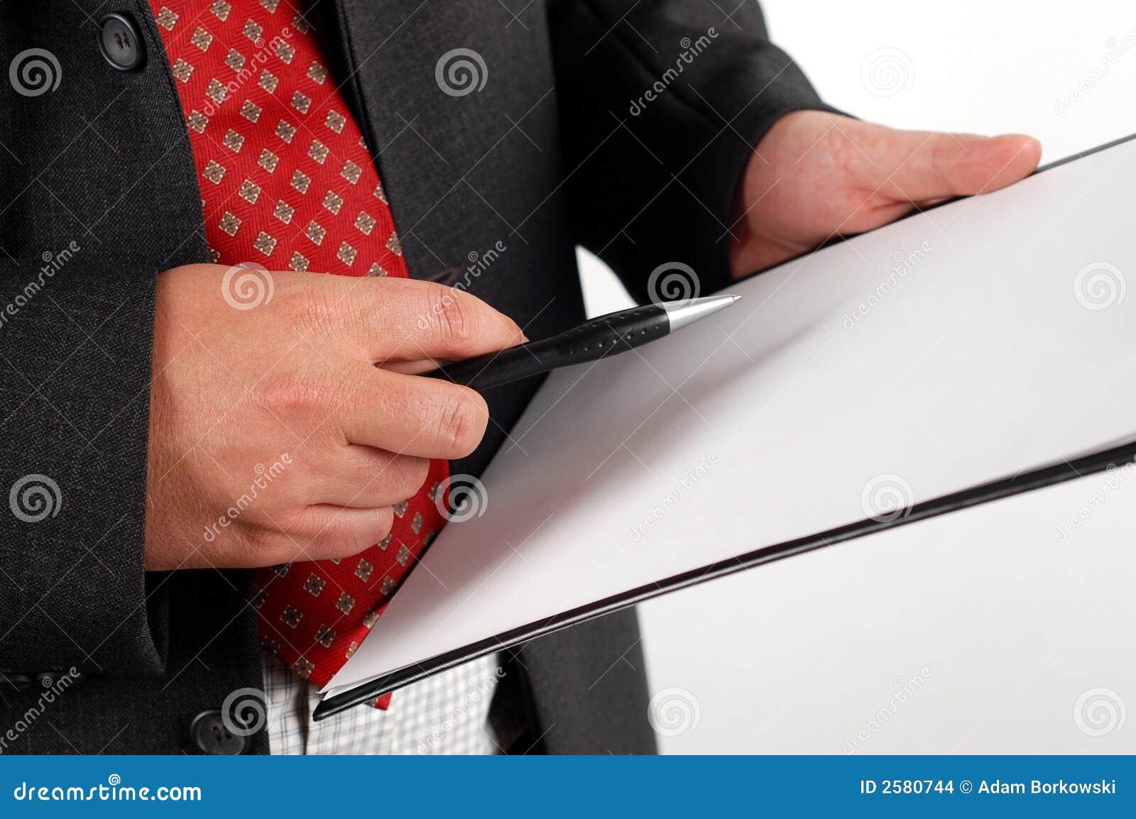 De holdingsklembord van de zakenman