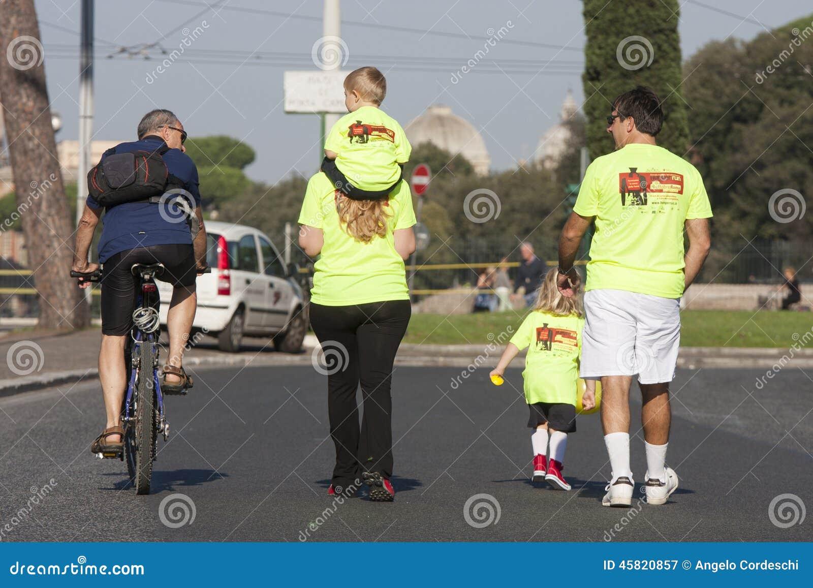 De honger loopt (Rome) - het WVP - een gehele familie