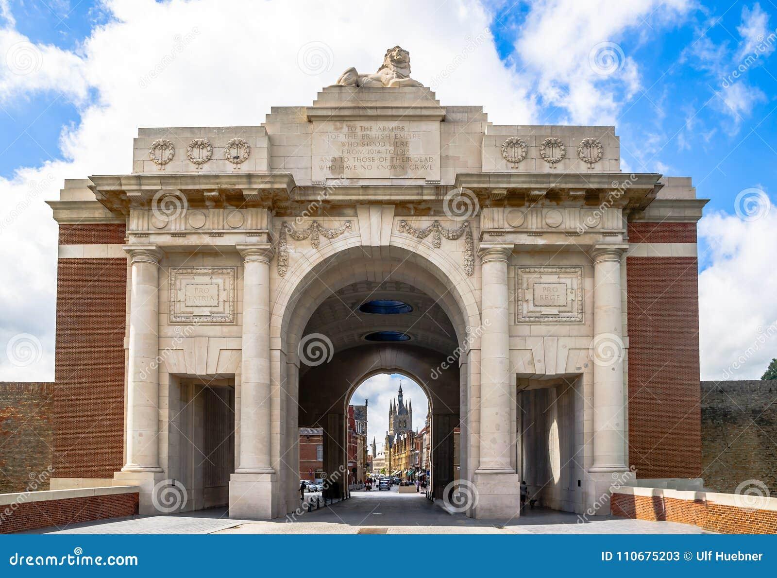 De hoofdingang van Ypresmenin - België