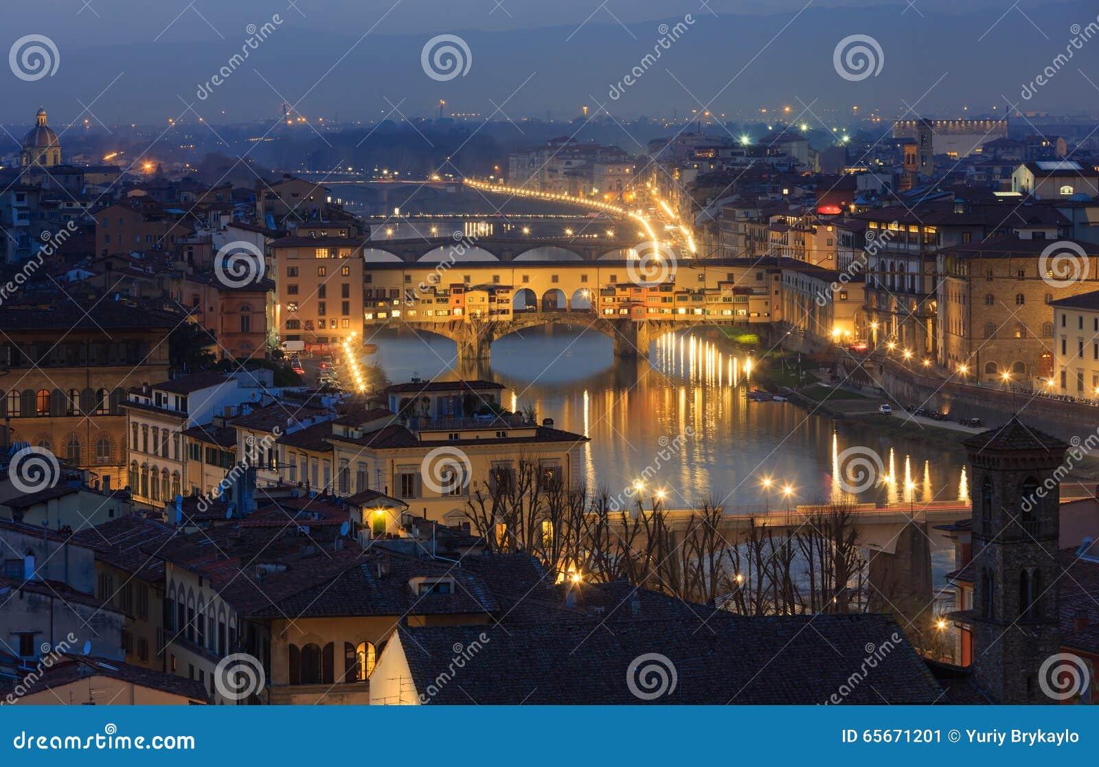 De hoogste mening van avondflorence (Italië)
