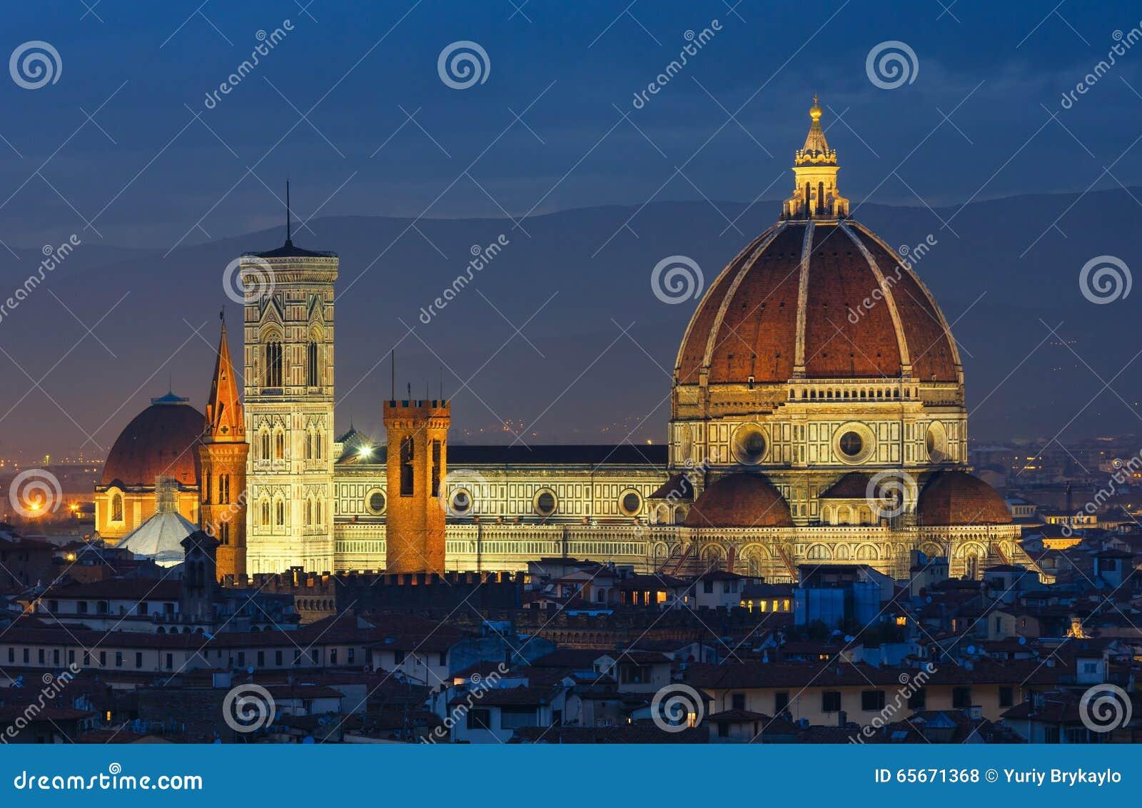 De hoogste mening van nachtflorence (Italië)