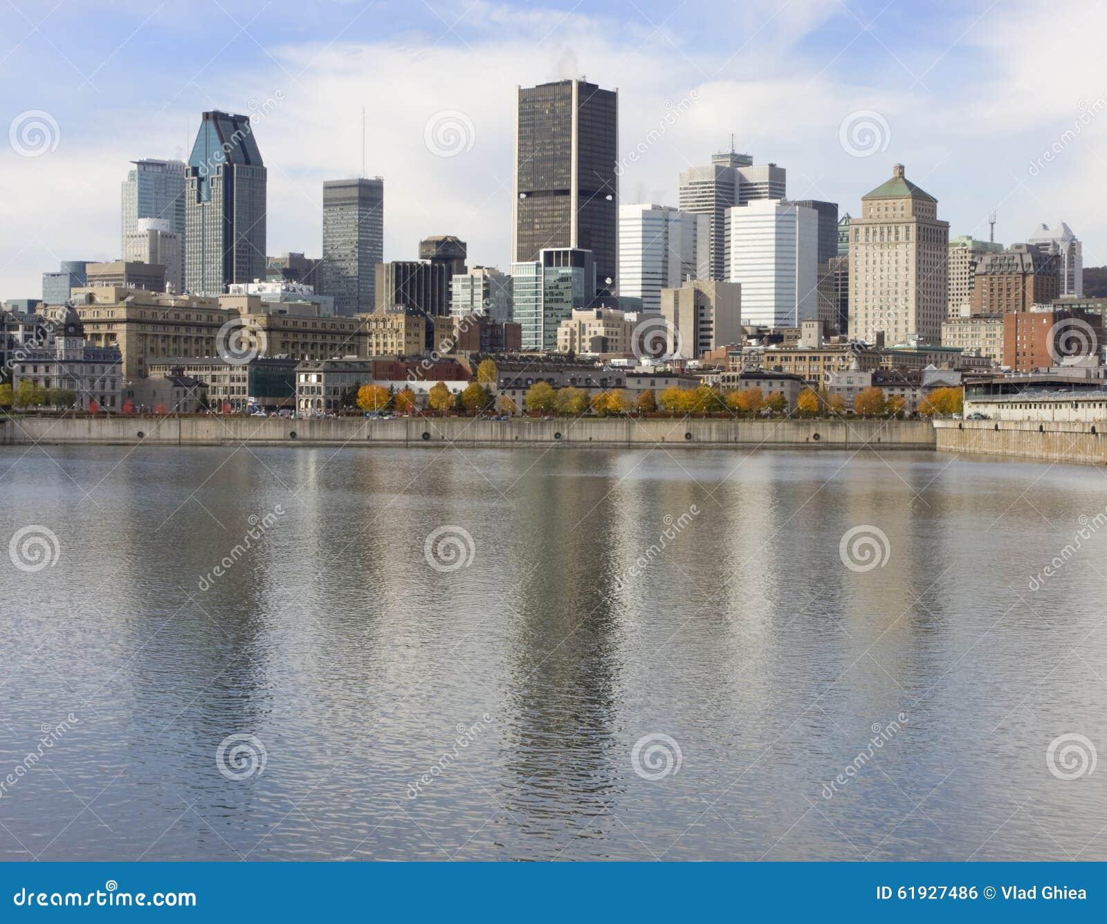 De horizon en Heilige Lawrence River van Montreal