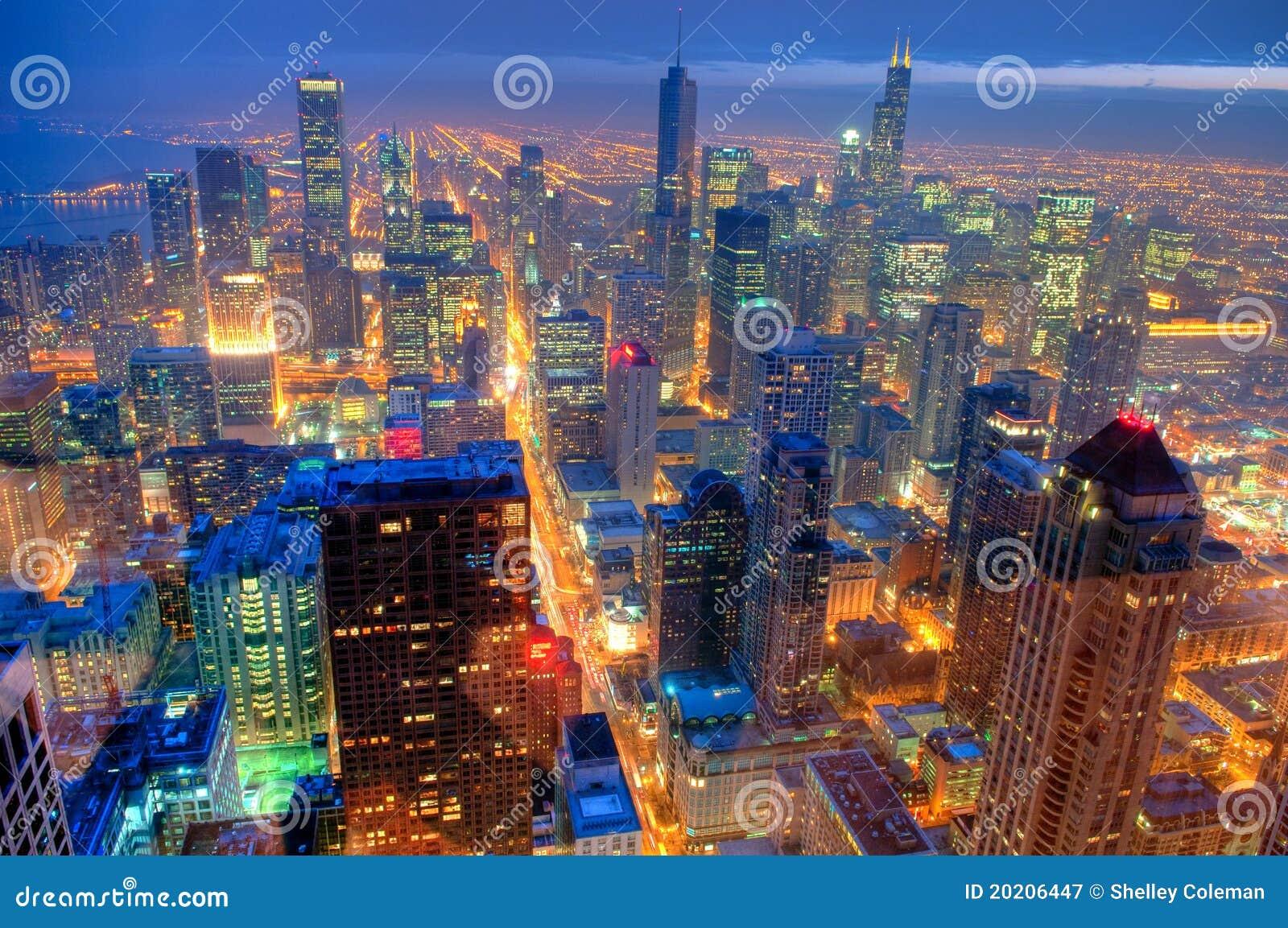 De Horizon van Chicago bij Nacht.