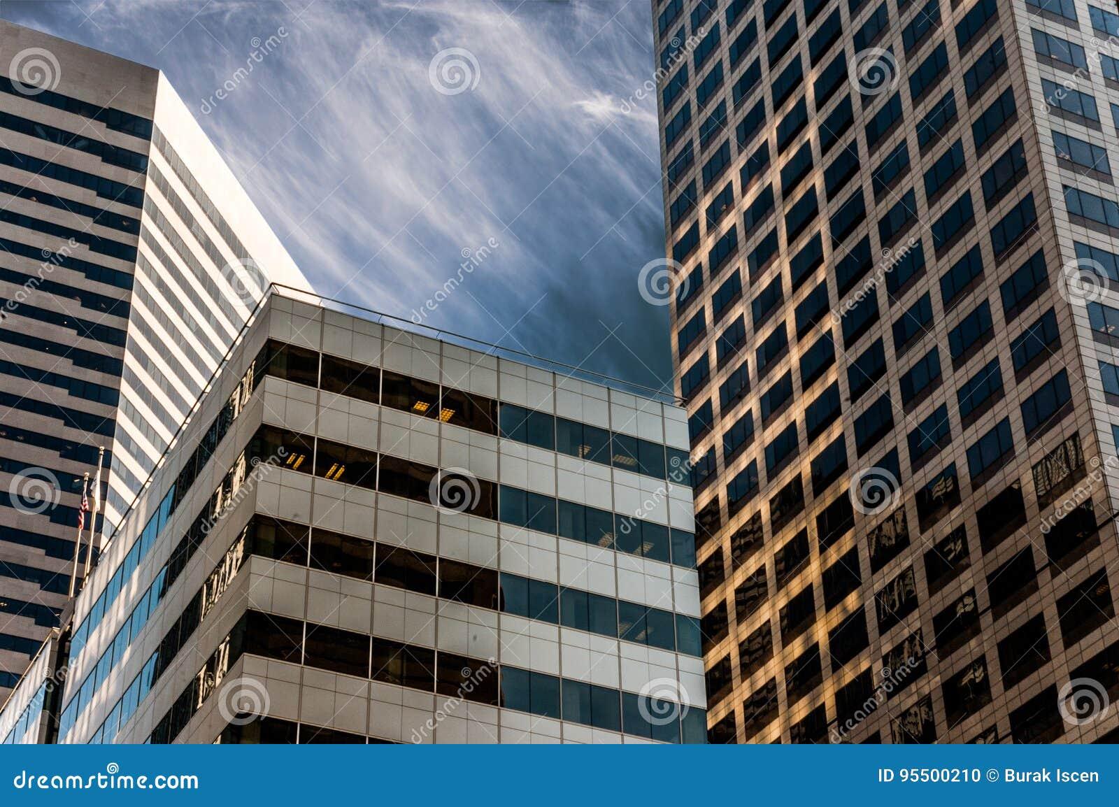 De horizon van Seattle met moderne bureaugebouwen