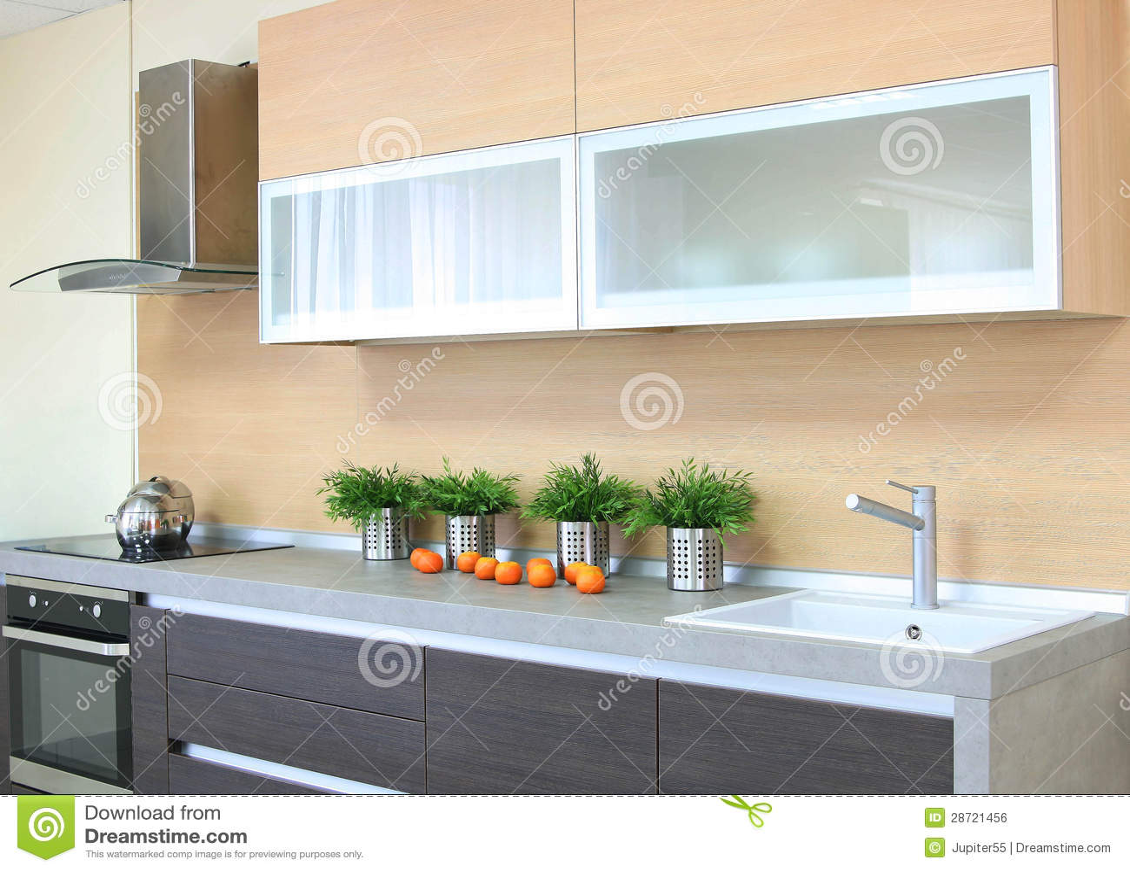 De Houten Bruine Moderne Keuken Van De Luxe Royalty-vrije Stock ...
