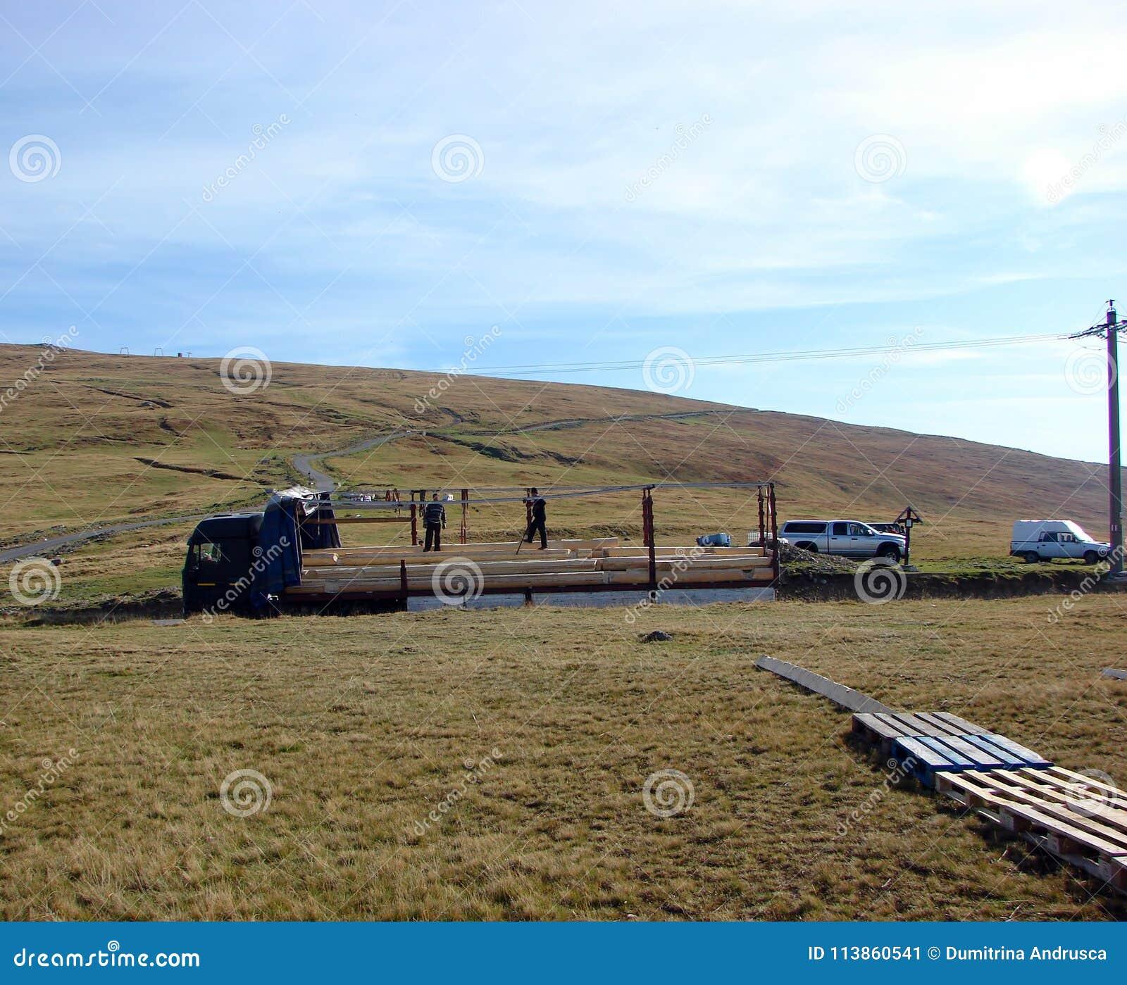 De houten straal van het vrachtwagenvervoer