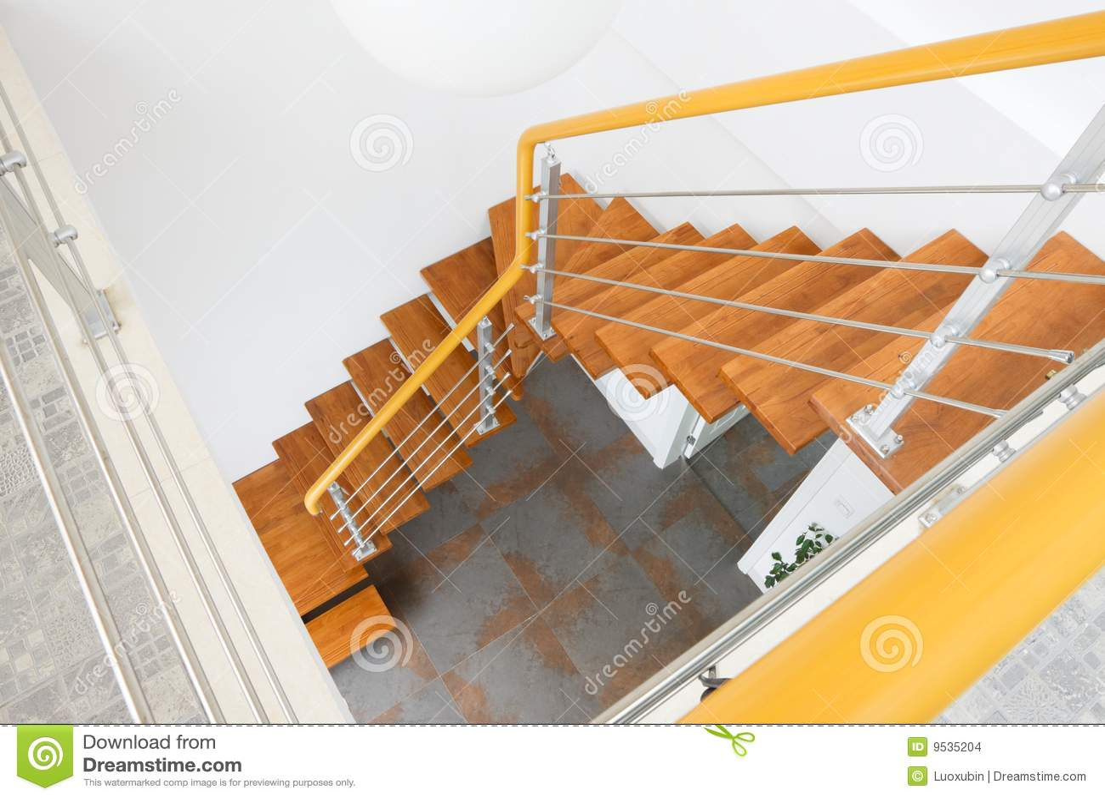 De houten trap stock afbeeldingen afbeelding 9535204 - Houten trap ...