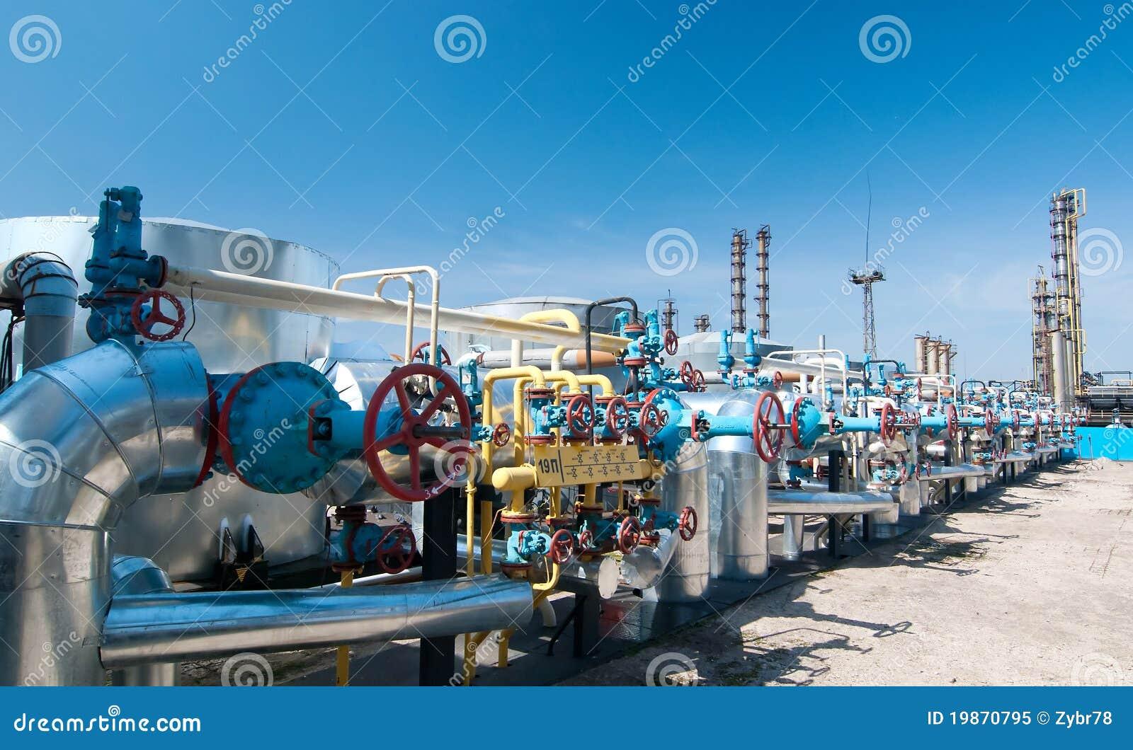 De industrie van het gas. de kleppen van het rijgas